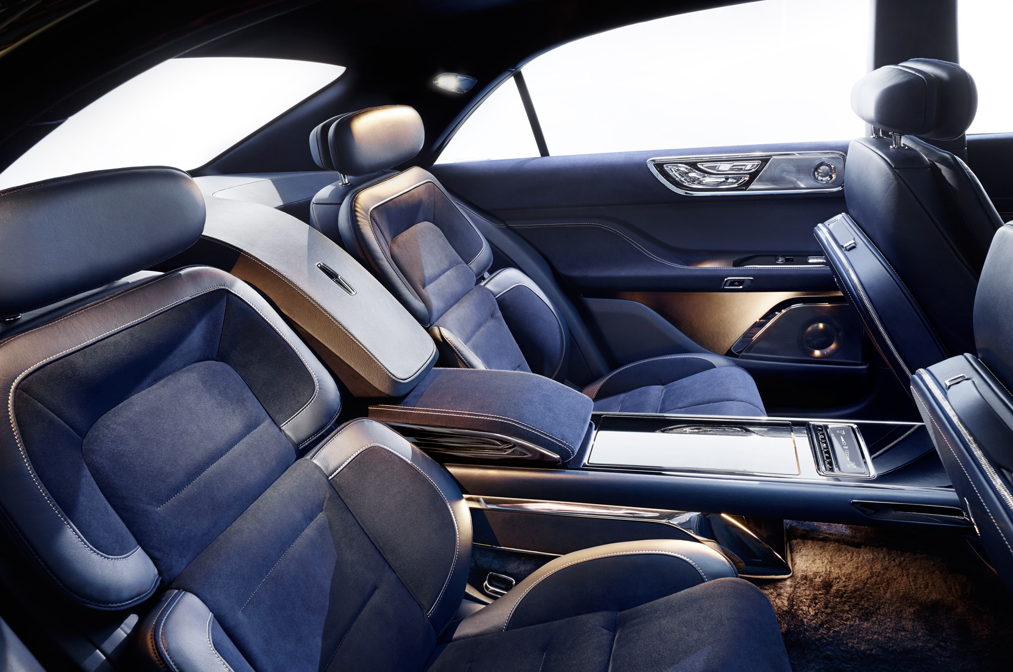 Lincoln Continental Concept Quietly Makes a Loud Statement