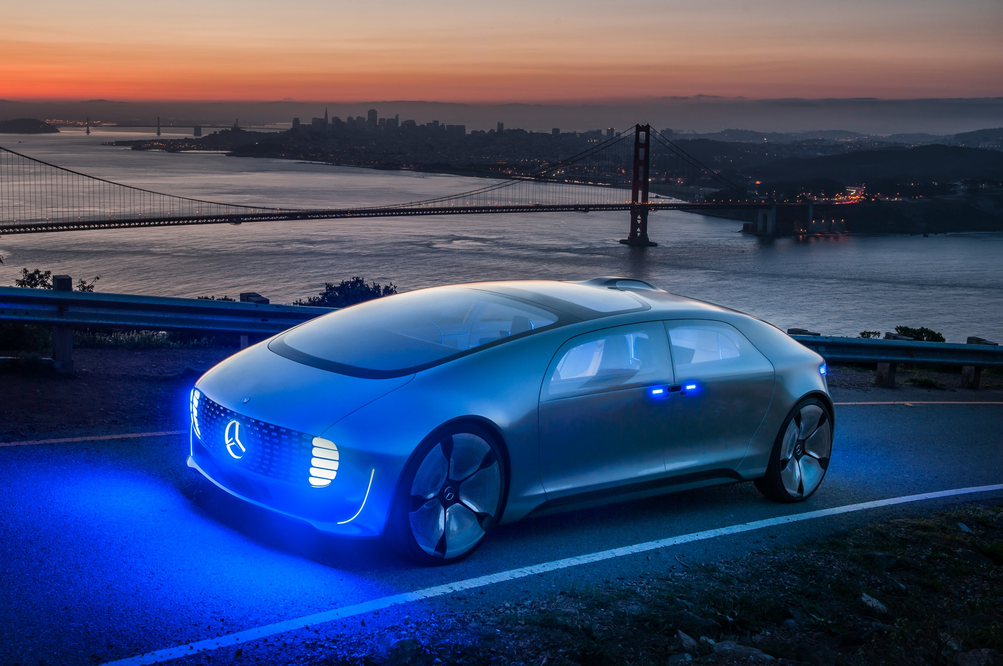 Riding in the mercedes benz f 015 luxury in motion concept for Exotic mercedes benz