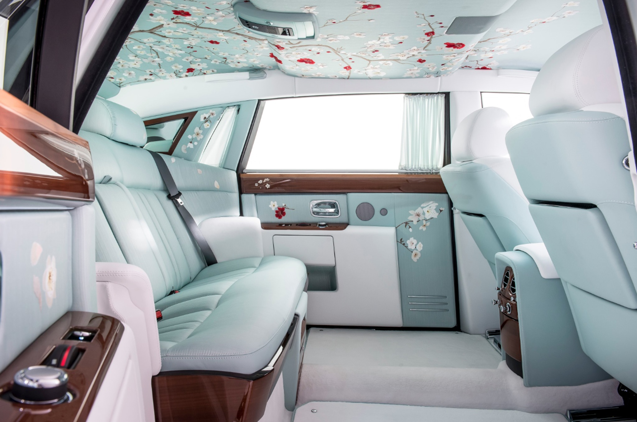 """Rolls-Royce Phantom """"Serenity"""" Blossoms In Geneva"""