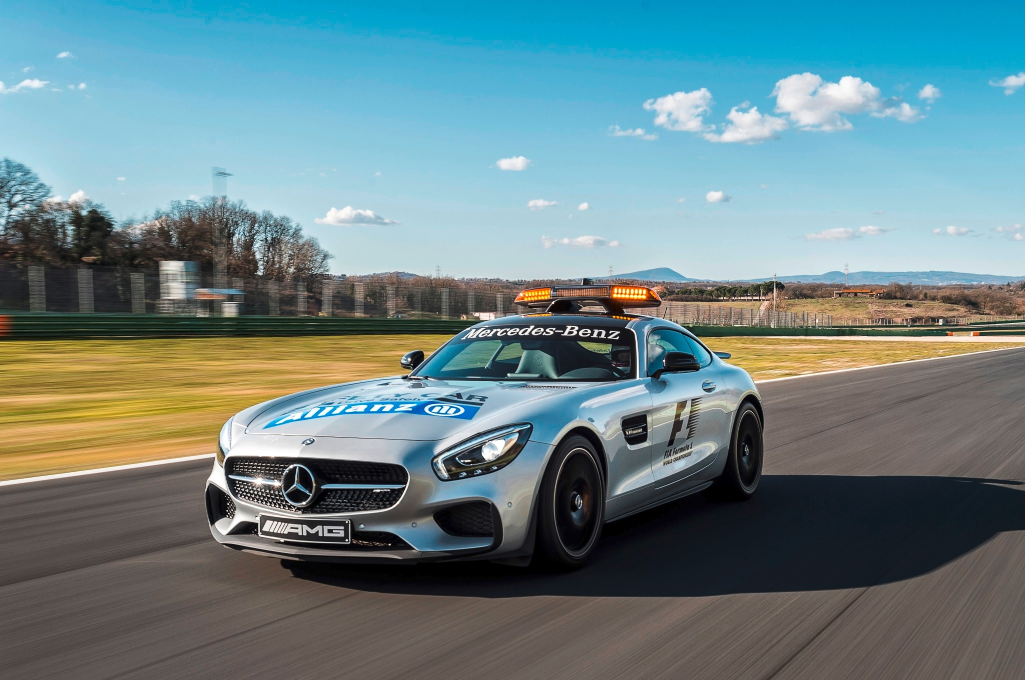 Mercedes amg gt s formula 1 safety car revealed for Mercedes benz f1