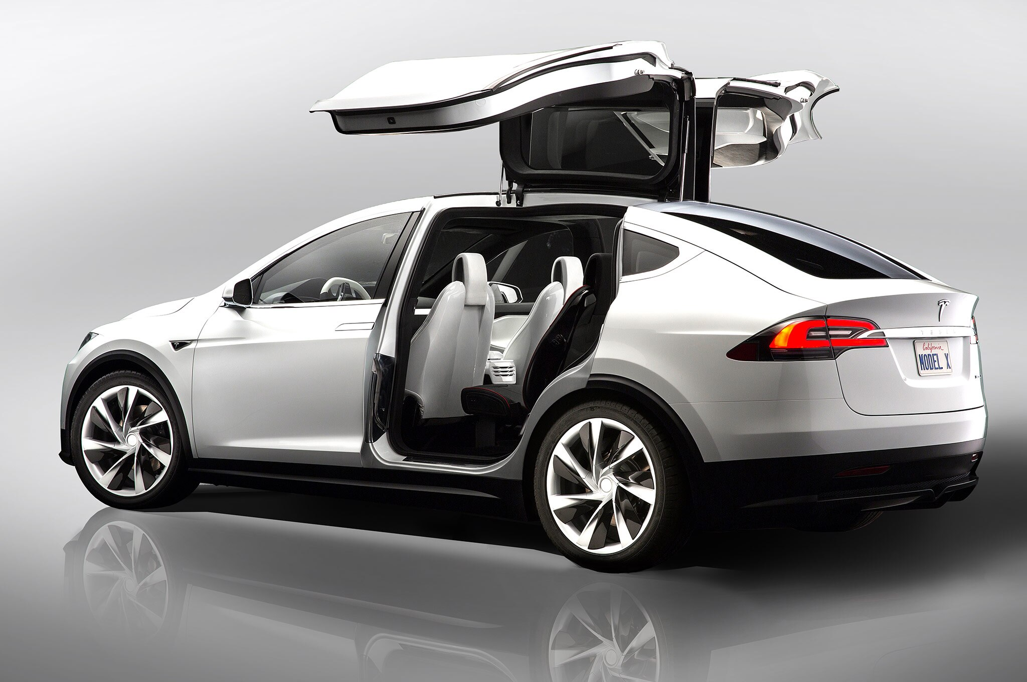 2015 Tesla Model X - Information and photos - MOMENTcar