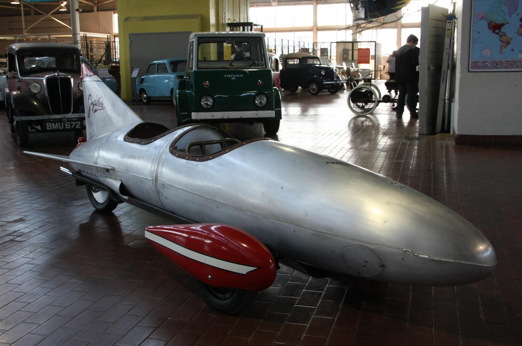 1961-Von-Dutch-Rocket-Car-front-three-qu