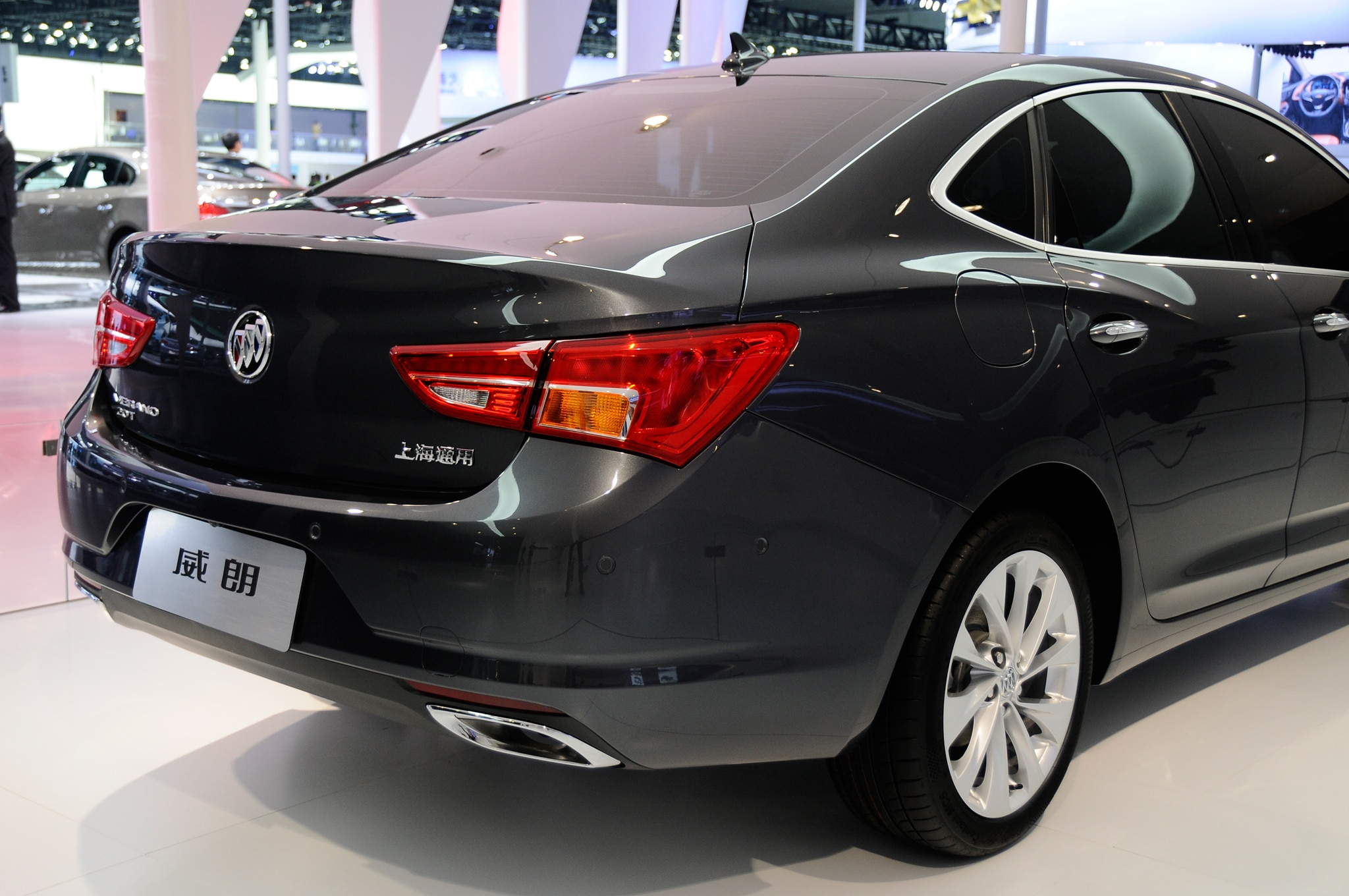 small verano the showing sedan summit year previous buick luxury in image white