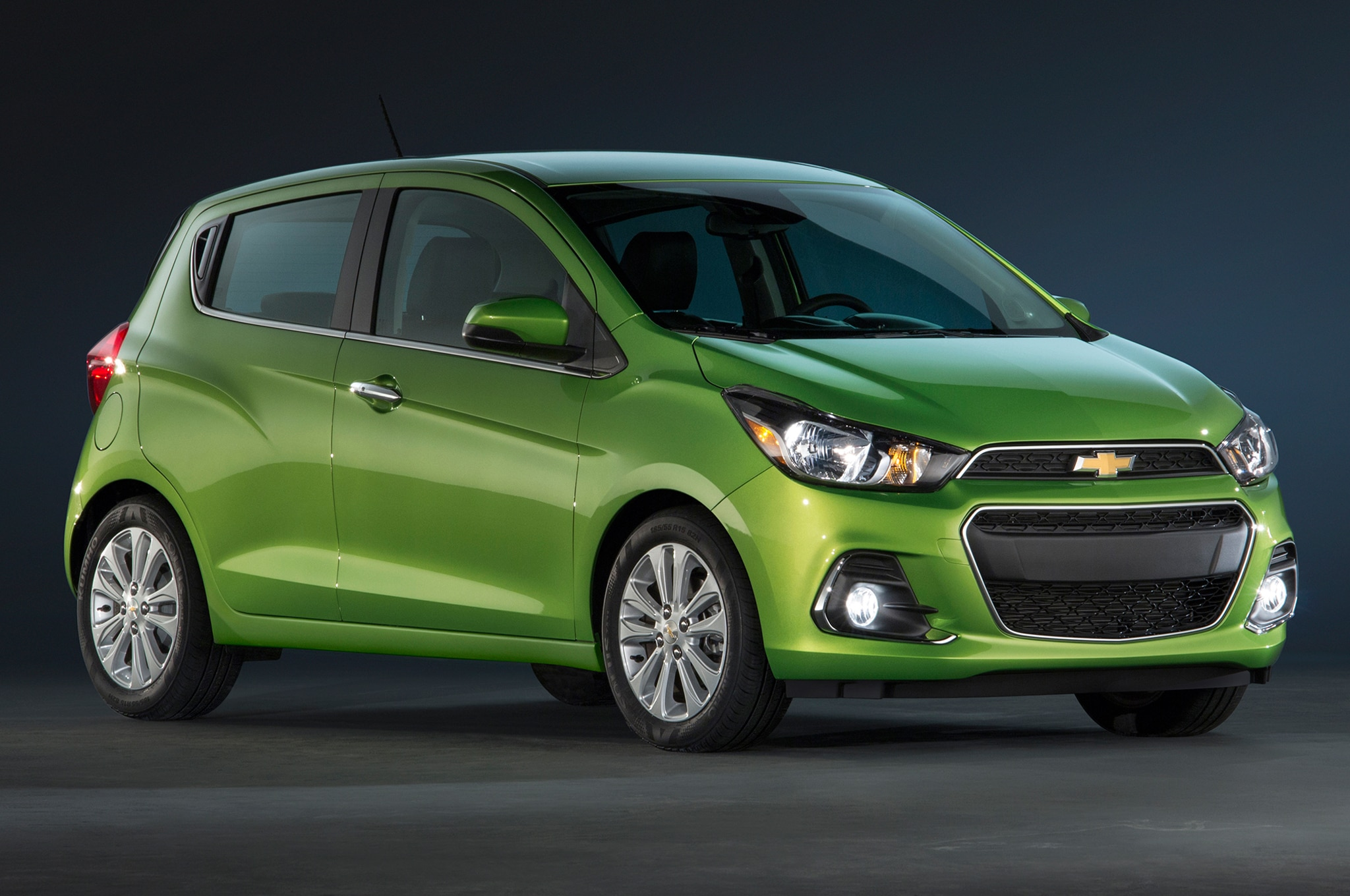 2016 Chevrolet Spark front three quarter 2016 chevrolet spark revealed in new york car fuse box sparking at mifinder.co