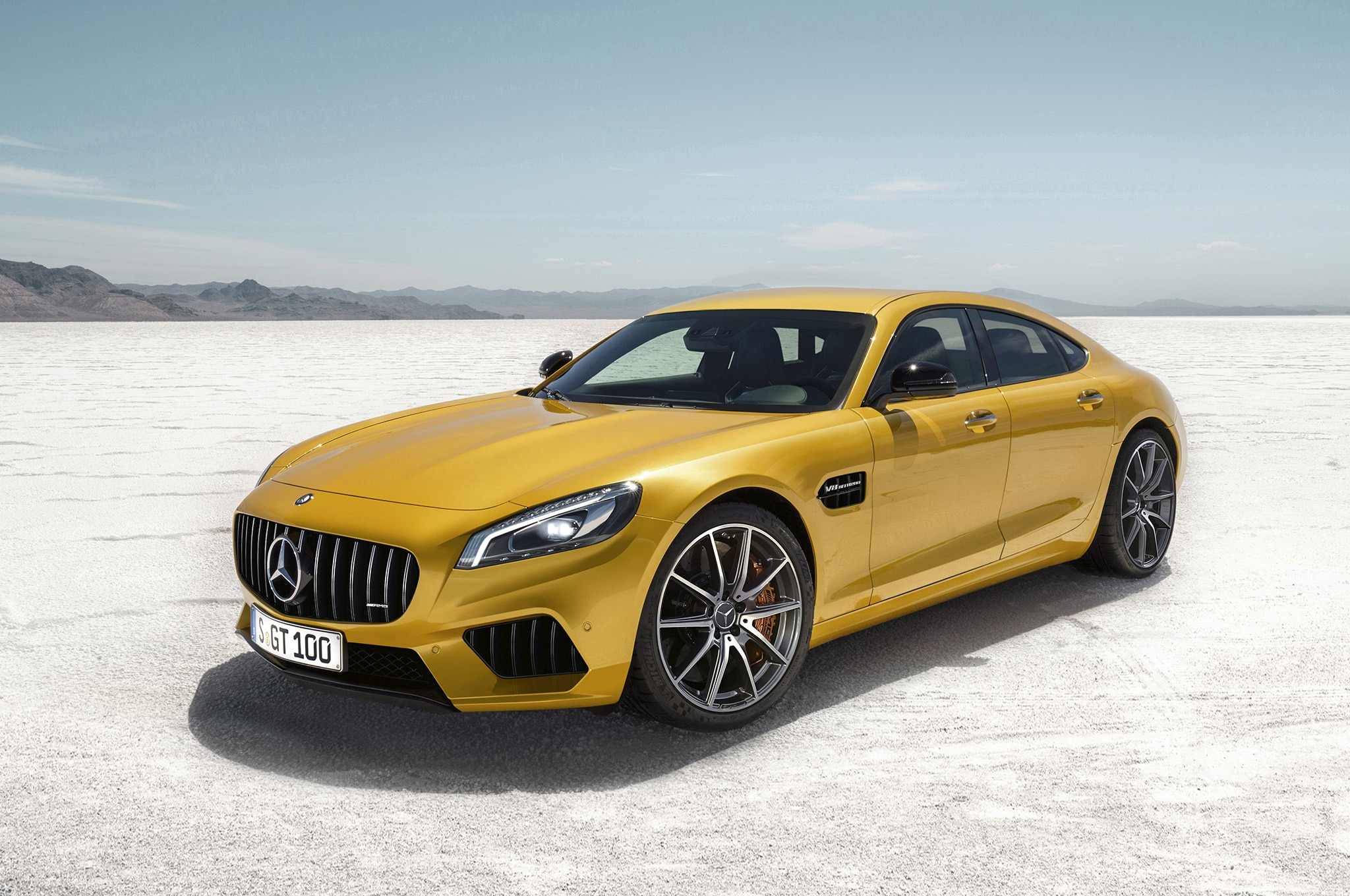 Deep Dive Mercedes Amg Gt4 Takes On The Porsche Panamera