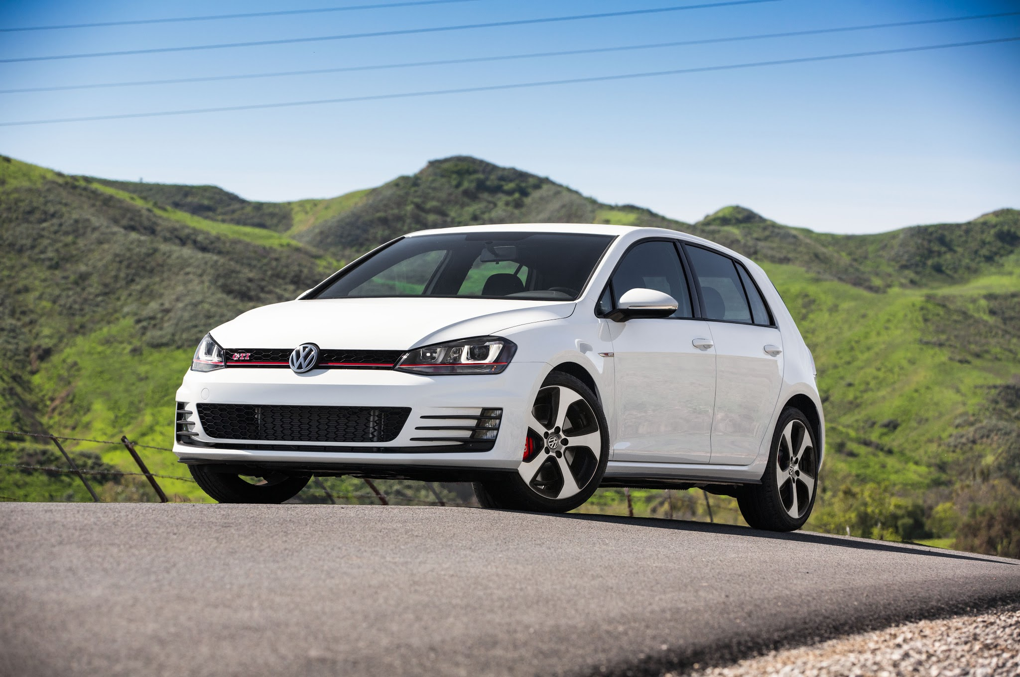 2015 volkswagen golf gti manual or dsg. Black Bedroom Furniture Sets. Home Design Ideas