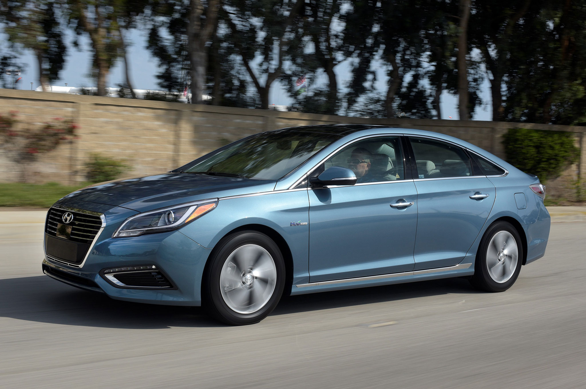 2016 hyundai sonata hybrid and phev review. Black Bedroom Furniture Sets. Home Design Ideas