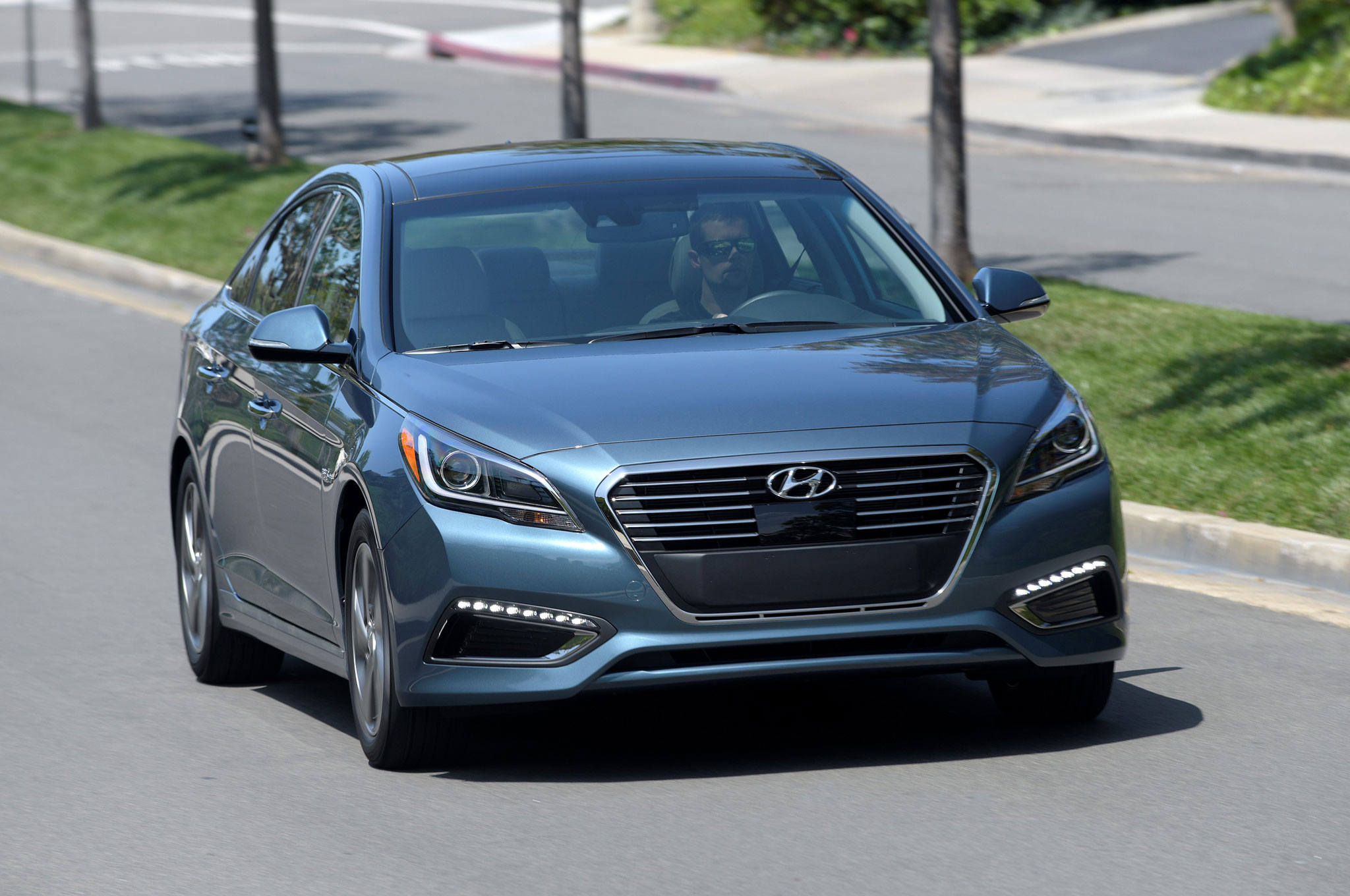 Report: Hyundai Planning to Launch 200 Mile EV in 2018   Automobile ...