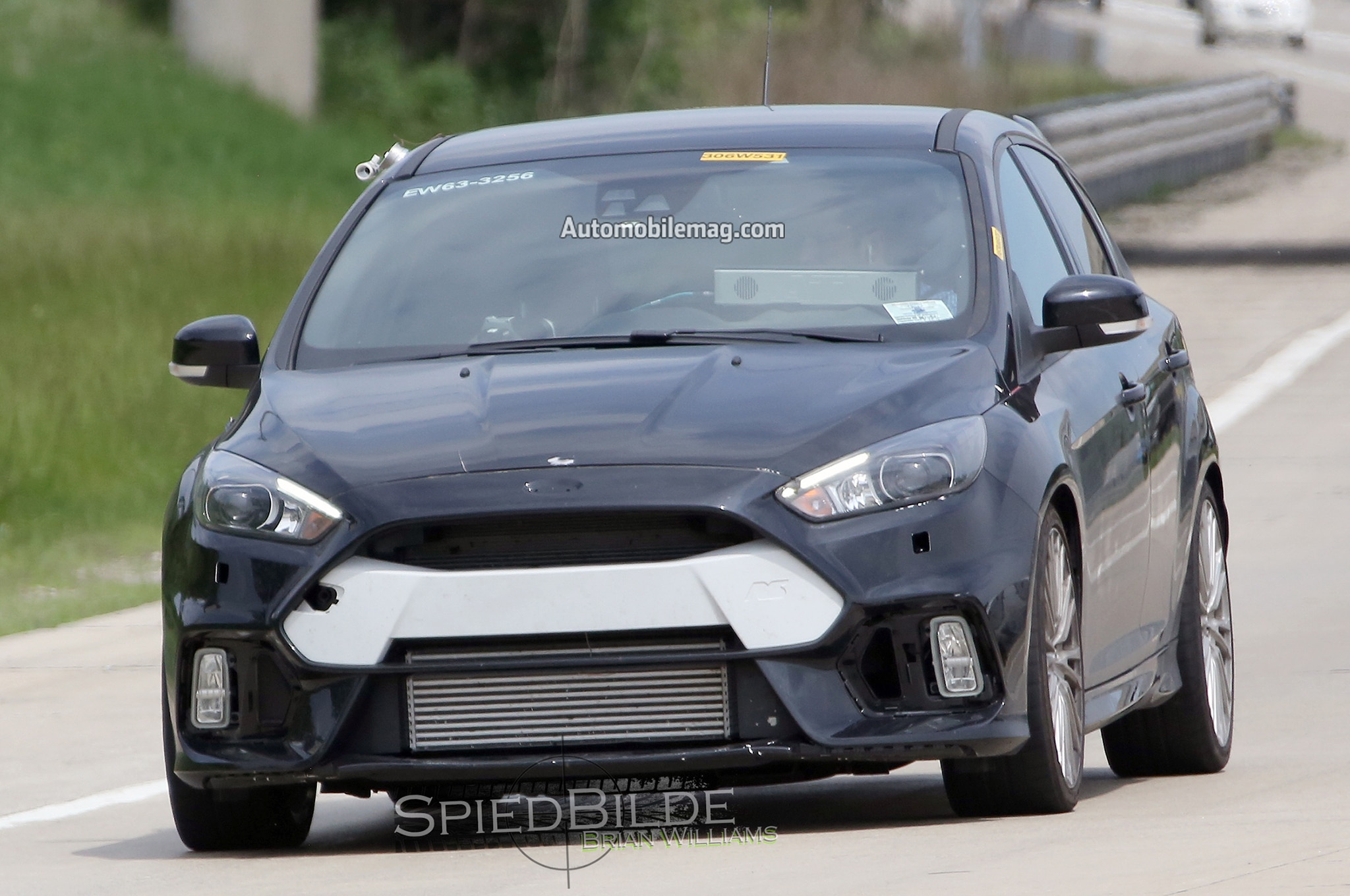 2016 ford focus rs spied testing in the u s. Black Bedroom Furniture Sets. Home Design Ideas