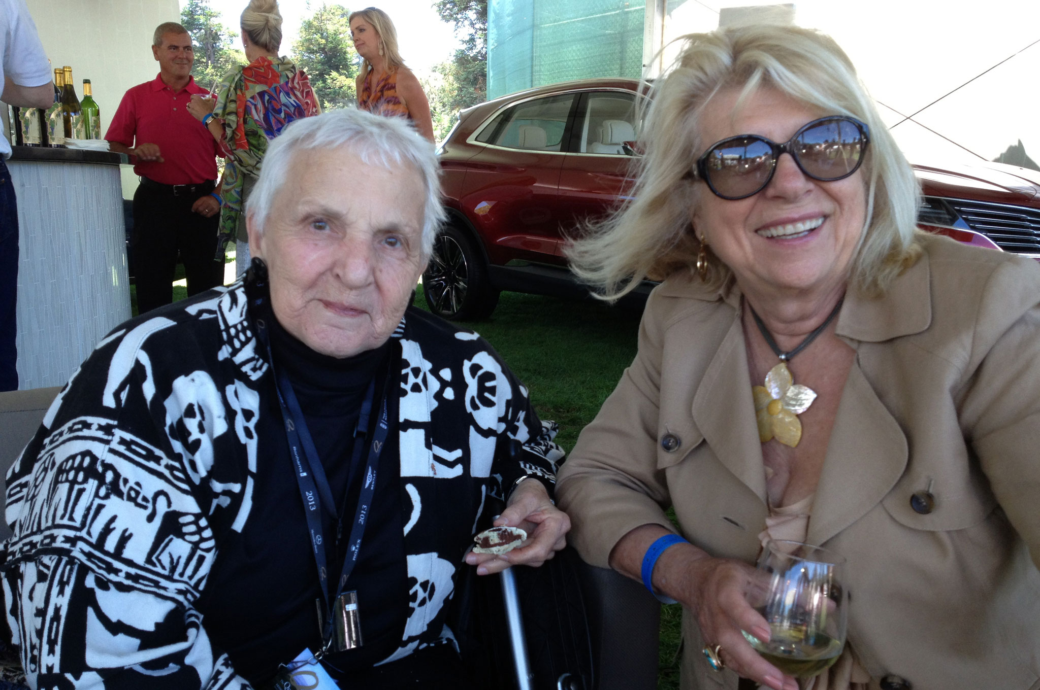 Denise McCluggage And Alma Hill