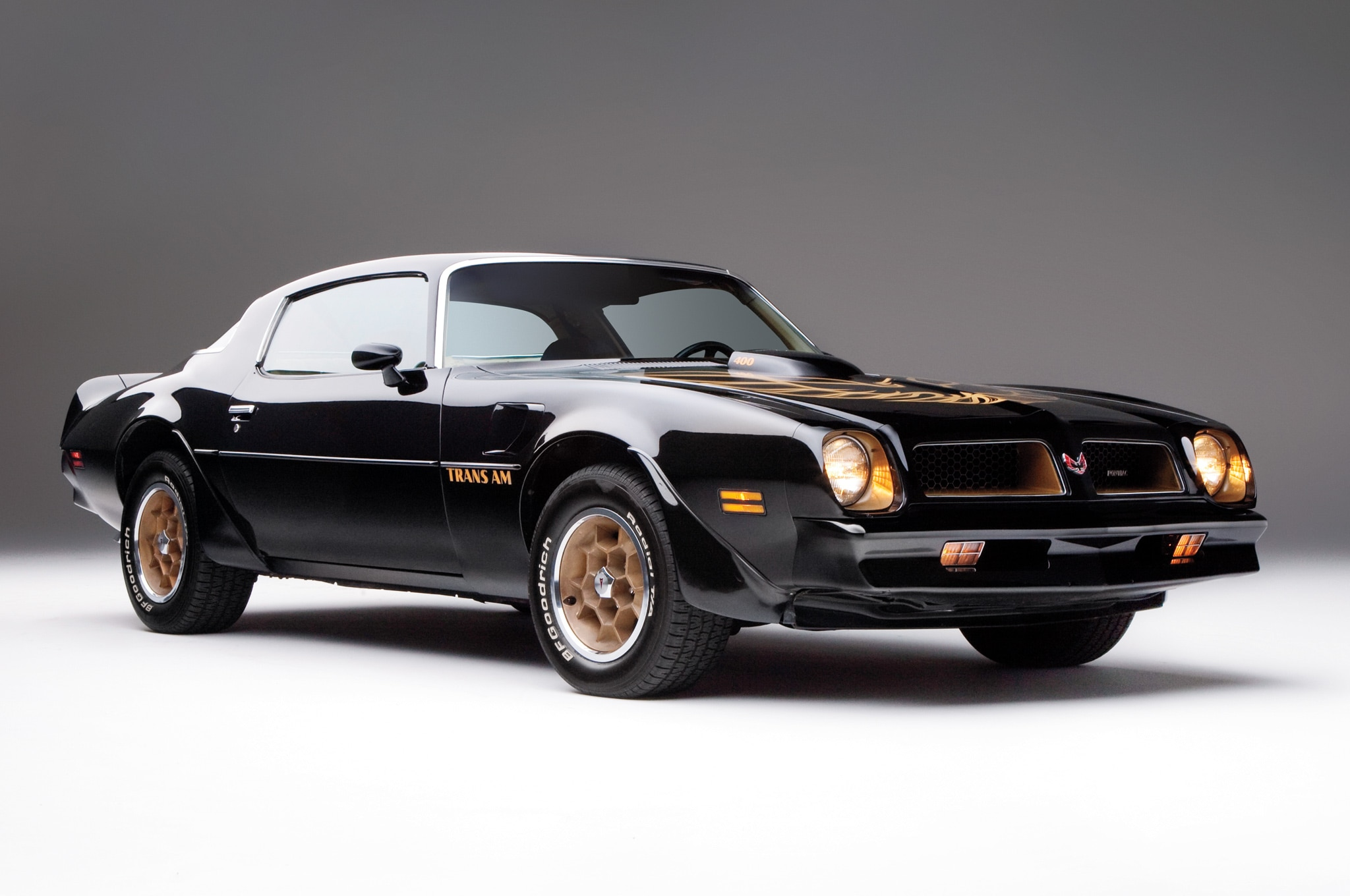 the 10 greatest chevrolet camaros of all time. Black Bedroom Furniture Sets. Home Design Ideas