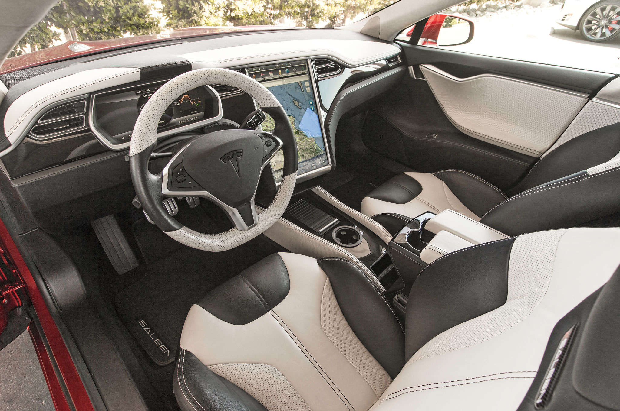 Shock Jocks Tesla Model S P85d And Saleen Gtx Comparison