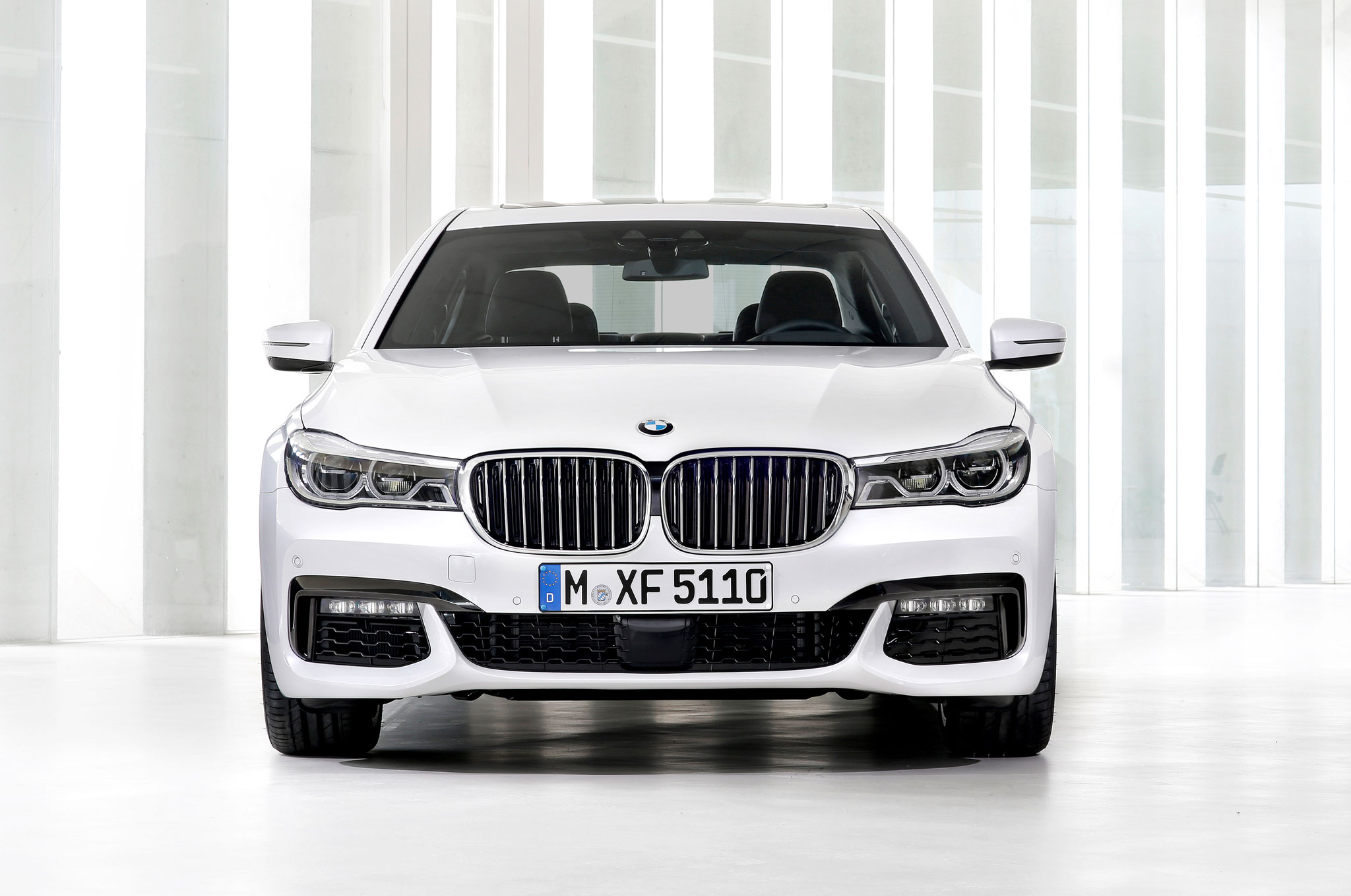 2016 BMW 750Li XDrive Front End