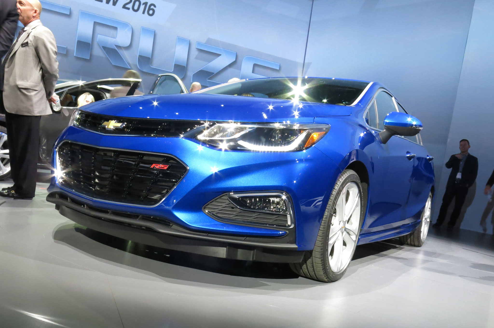 2016 chevrolet cruze gets 42 mpg highway automobile magazine. Black Bedroom Furniture Sets. Home Design Ideas