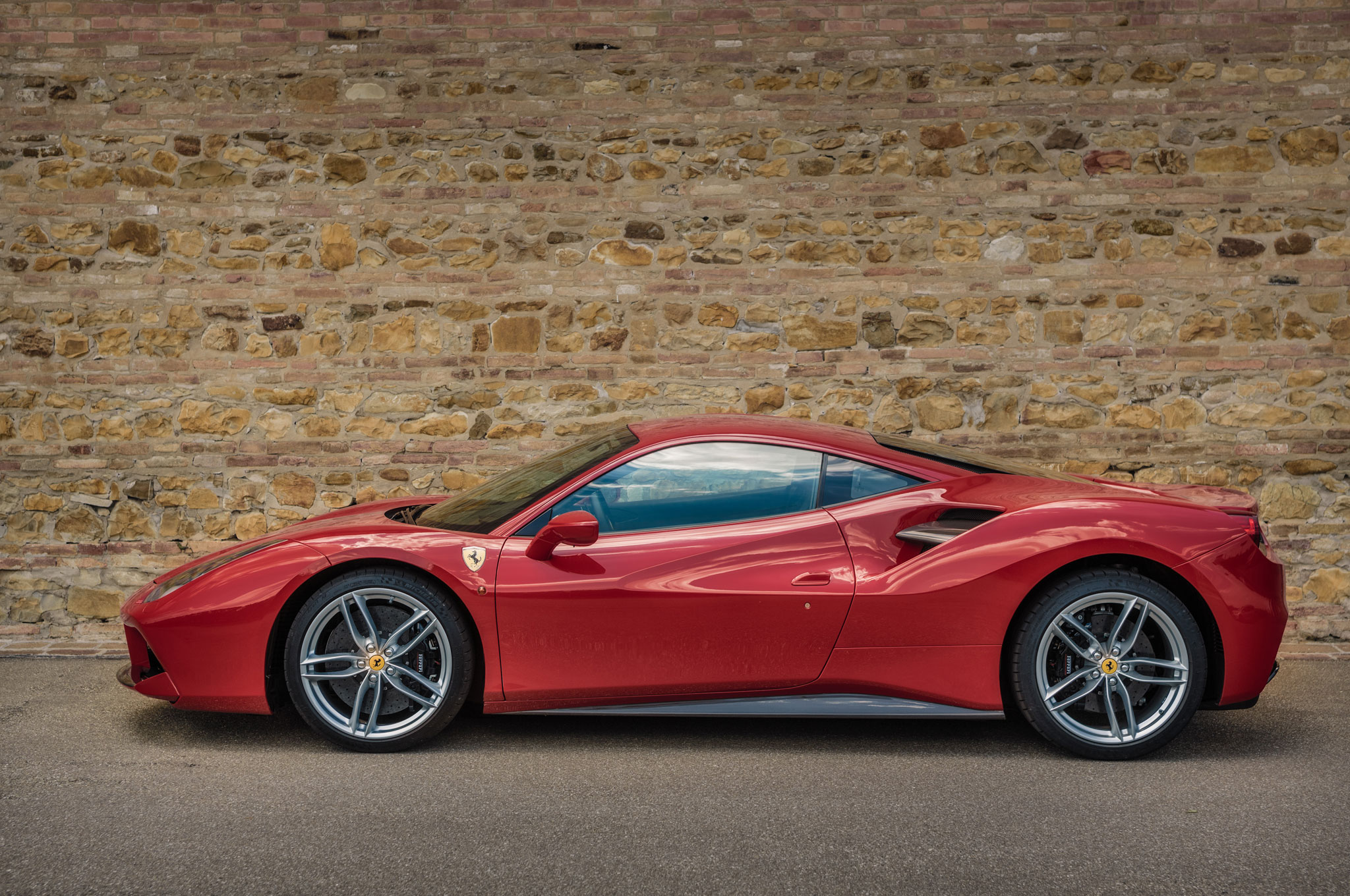 2016 ferrari 488 gtb review. Black Bedroom Furniture Sets. Home Design Ideas