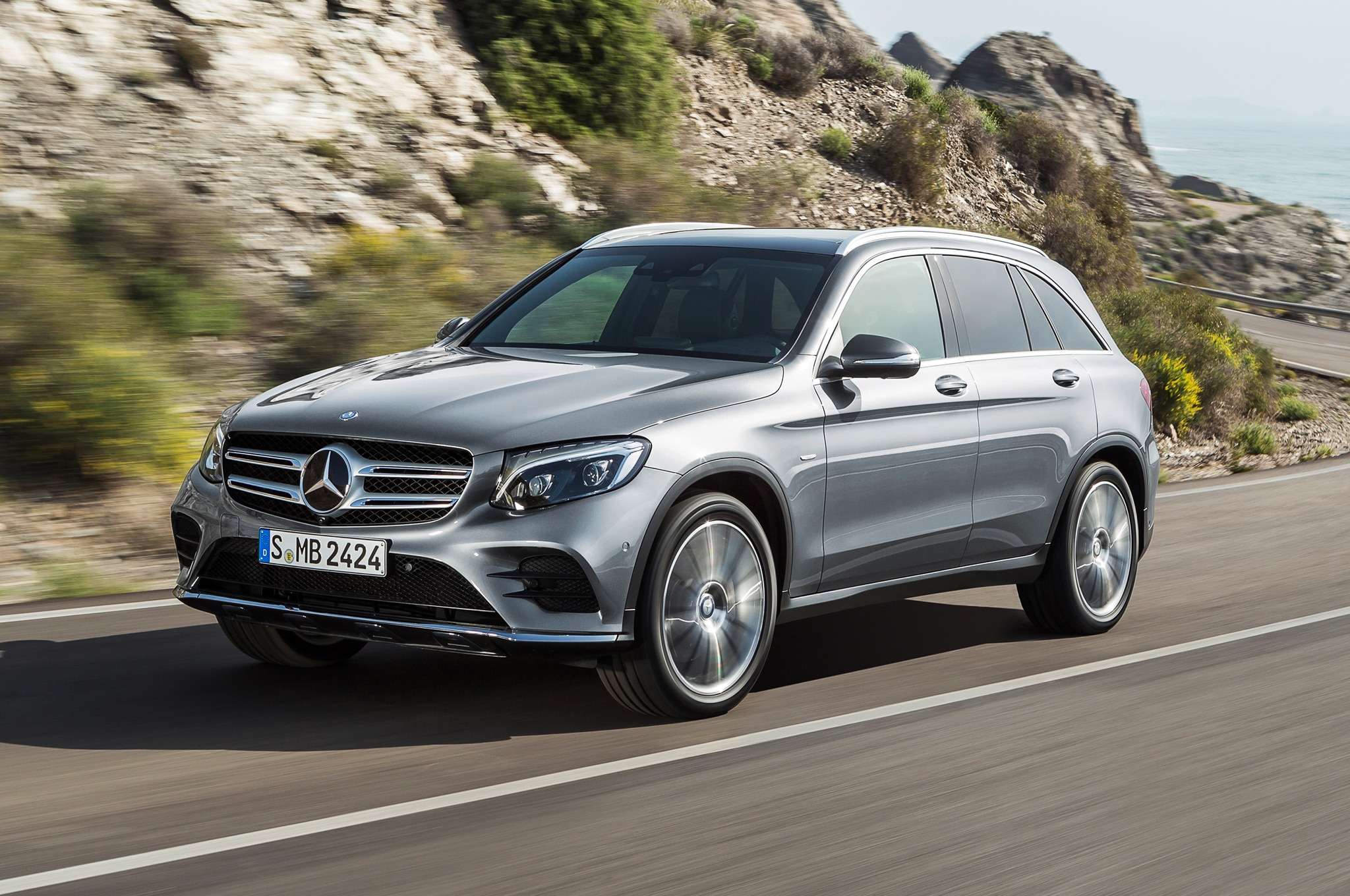 2016 Mercedes-Benz GLC-Class Debuts, Replaces GLK