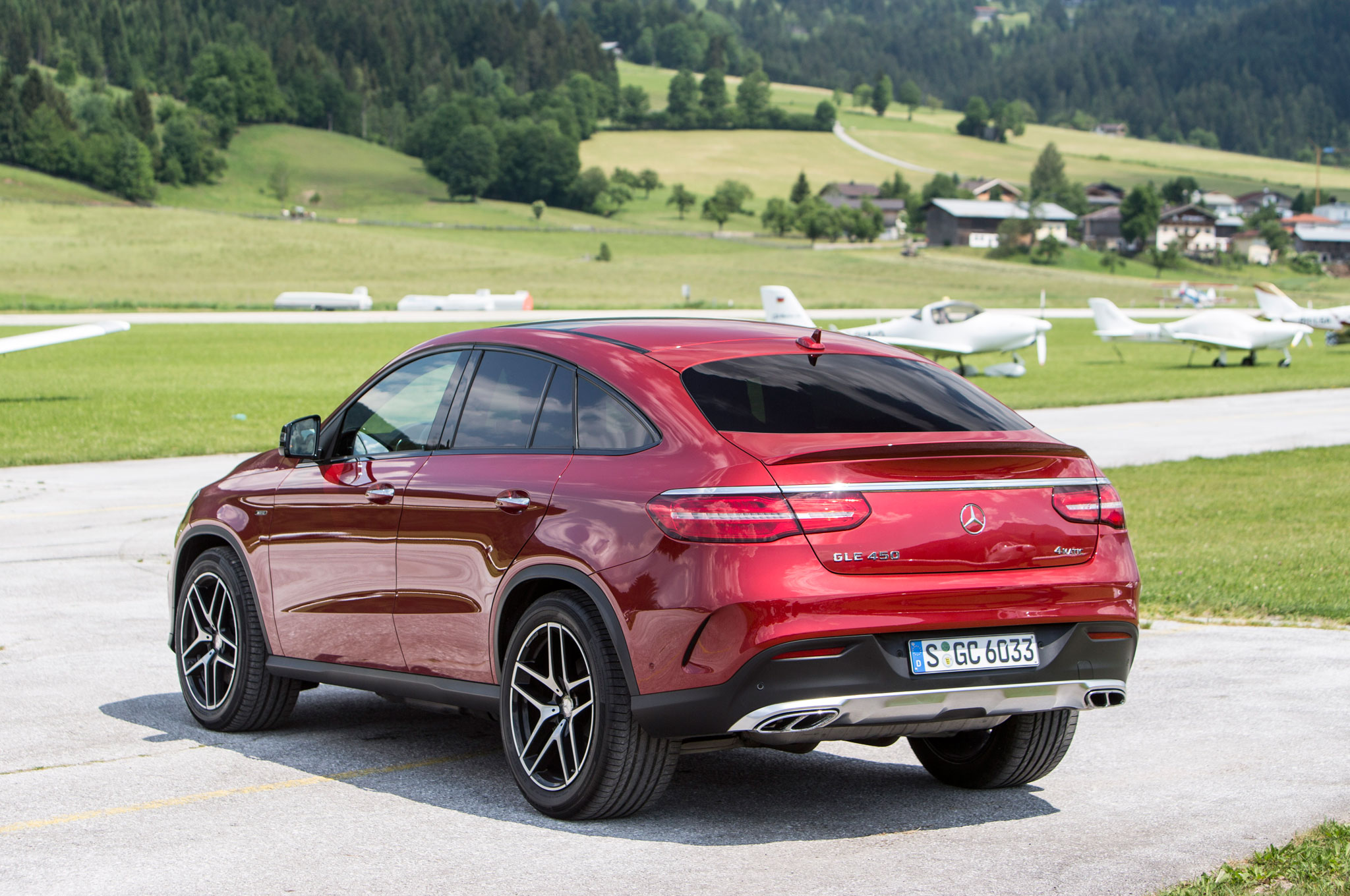 http://st.automobilemag.com/uploads/sites/11/2015/06/2016-Mercedes-Benz-GLE450-AMG-4Matic-Coupe-rear-three-quarter-03.jpg