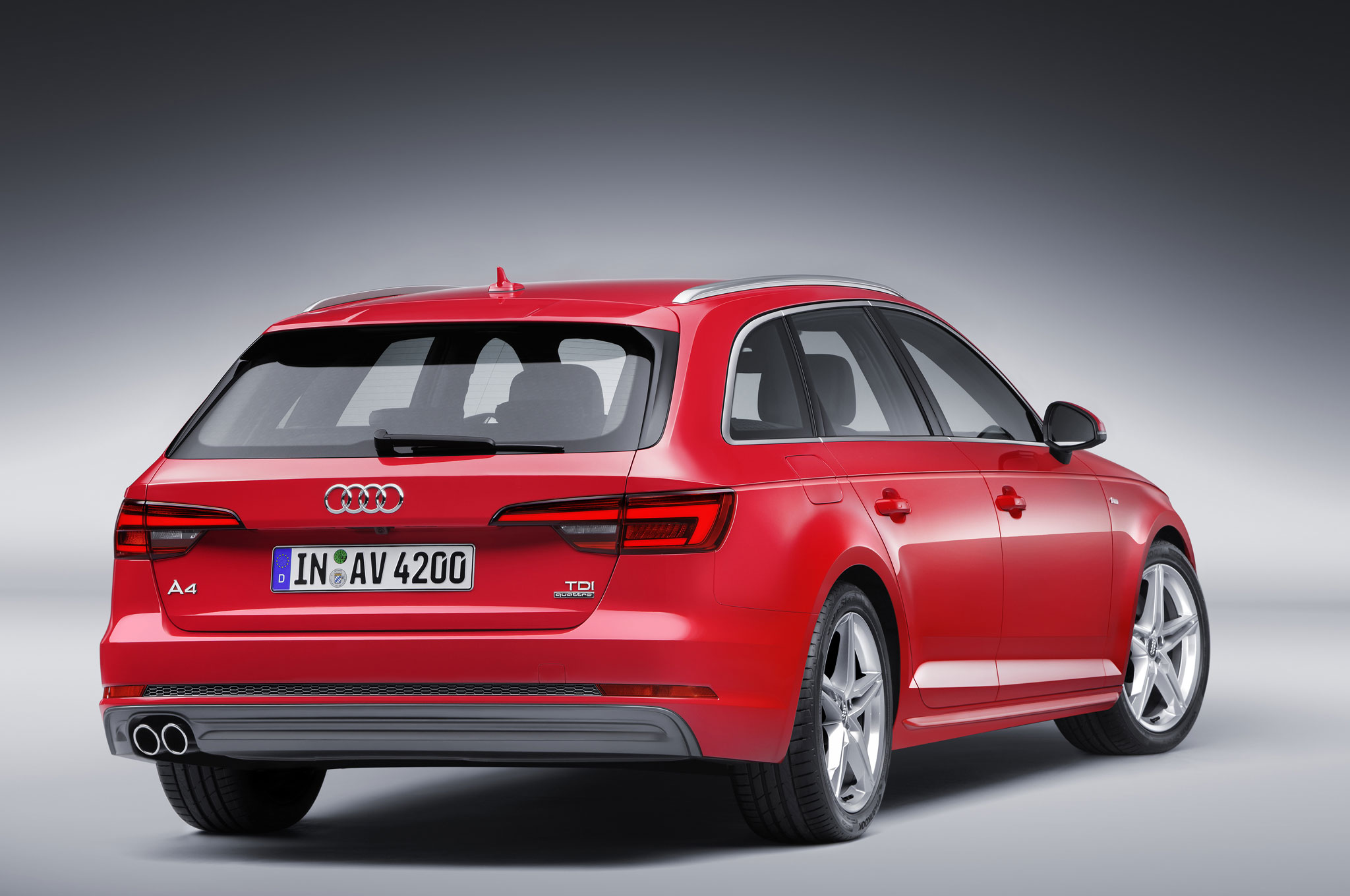 2017 audi a4 revealed with lighter weight evolutionary design. Black Bedroom Furniture Sets. Home Design Ideas