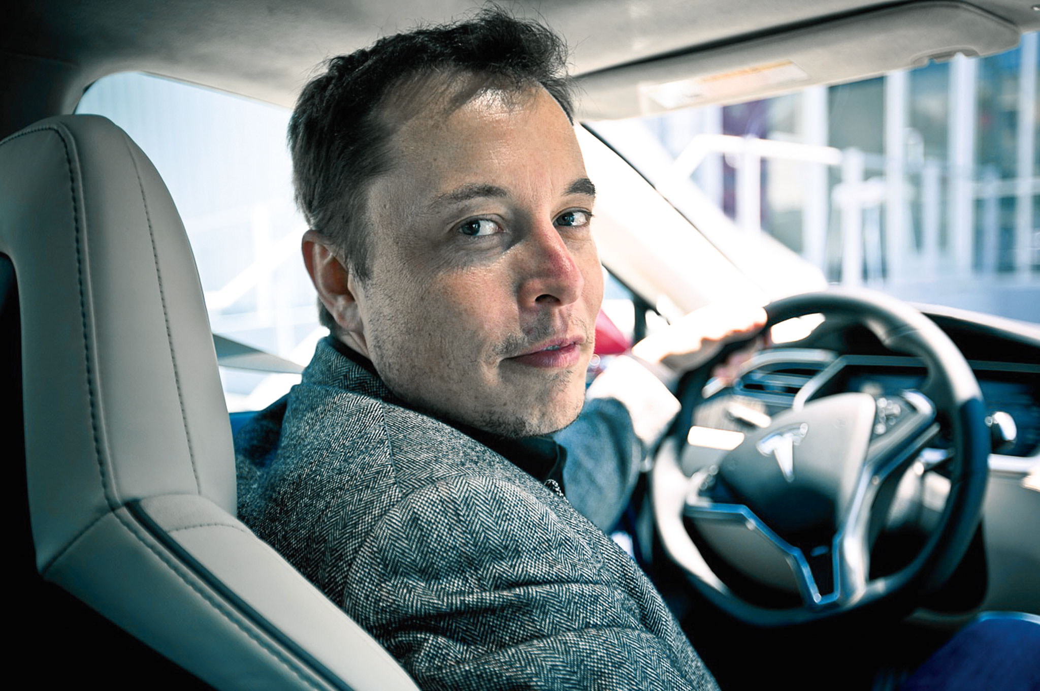 Tesla Motors  CEO Elon Musk sees a future where humans don't operate cars. Will robopods dominate instead?