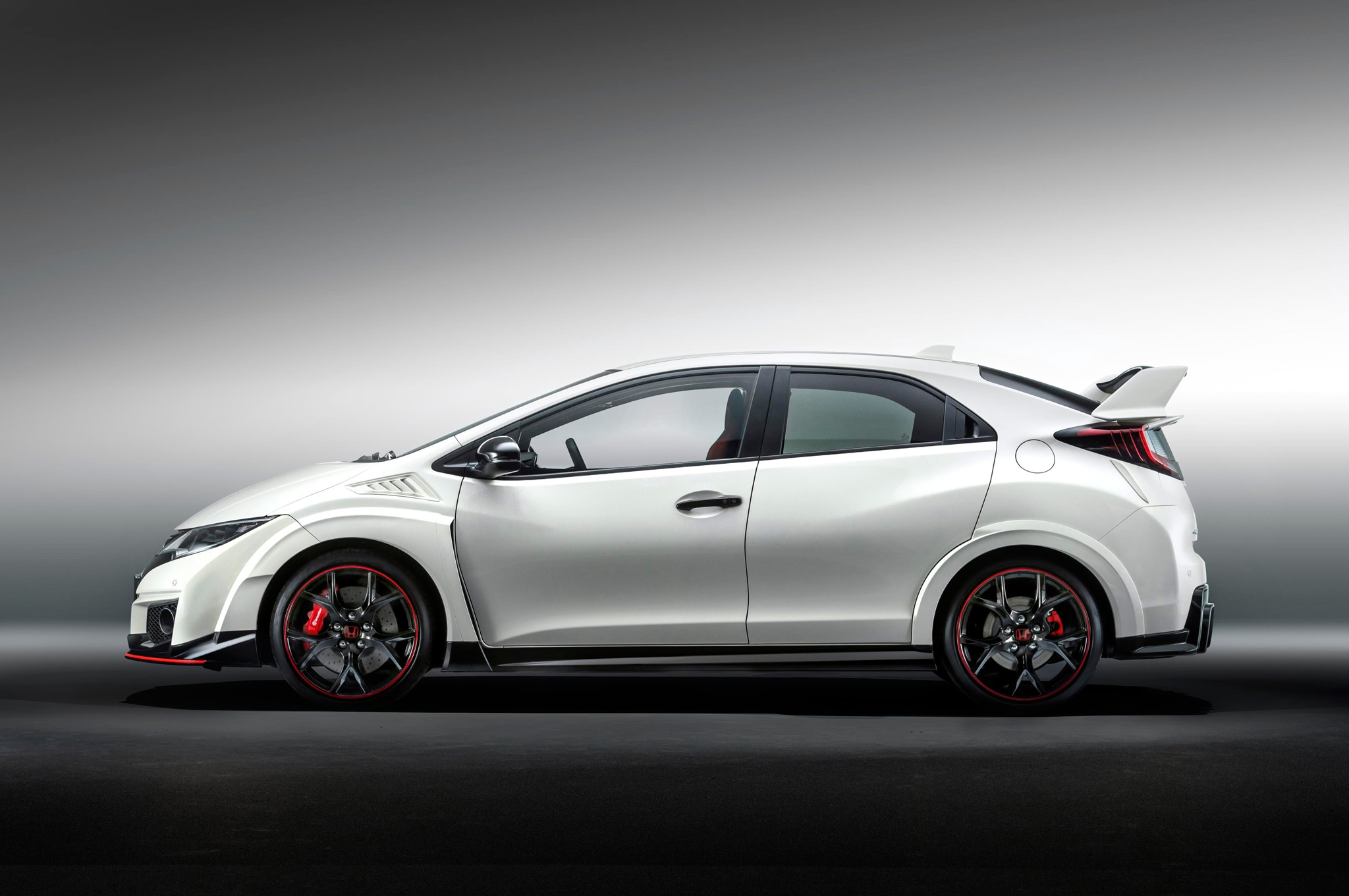 honda will launch new electric plug in hybrid models by 2018