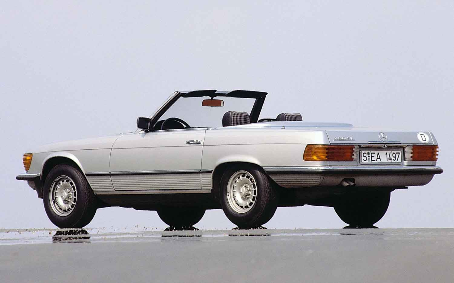Hagerty Names Top 10 Classic Convertibles For Summer