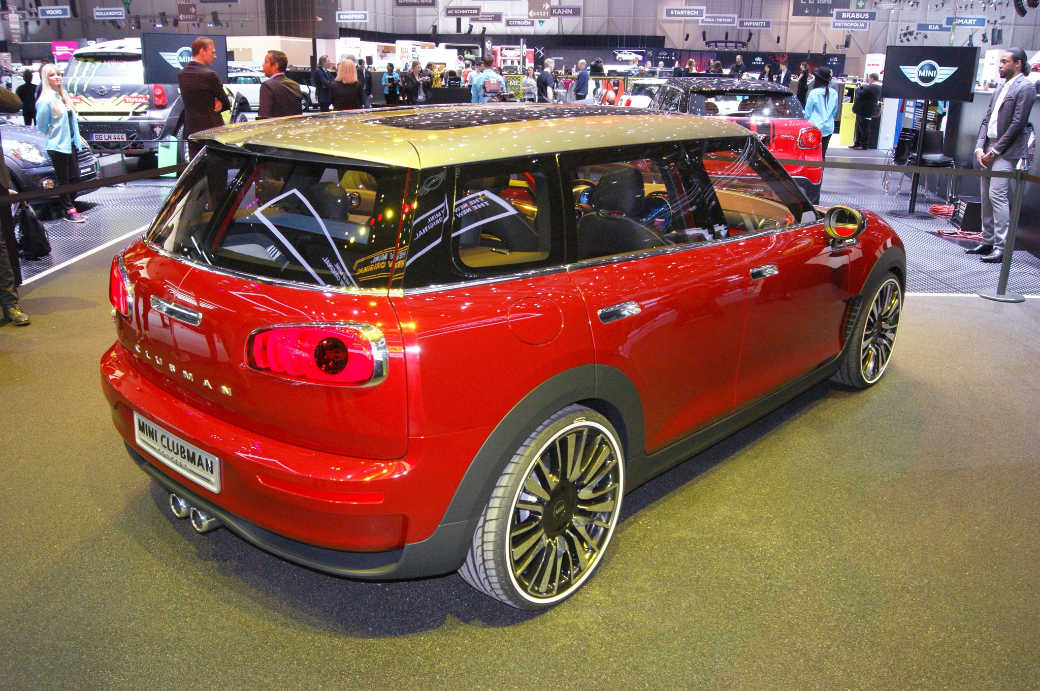 2016 mini clubman teaser confirms new model 39 s larger size. Black Bedroom Furniture Sets. Home Design Ideas