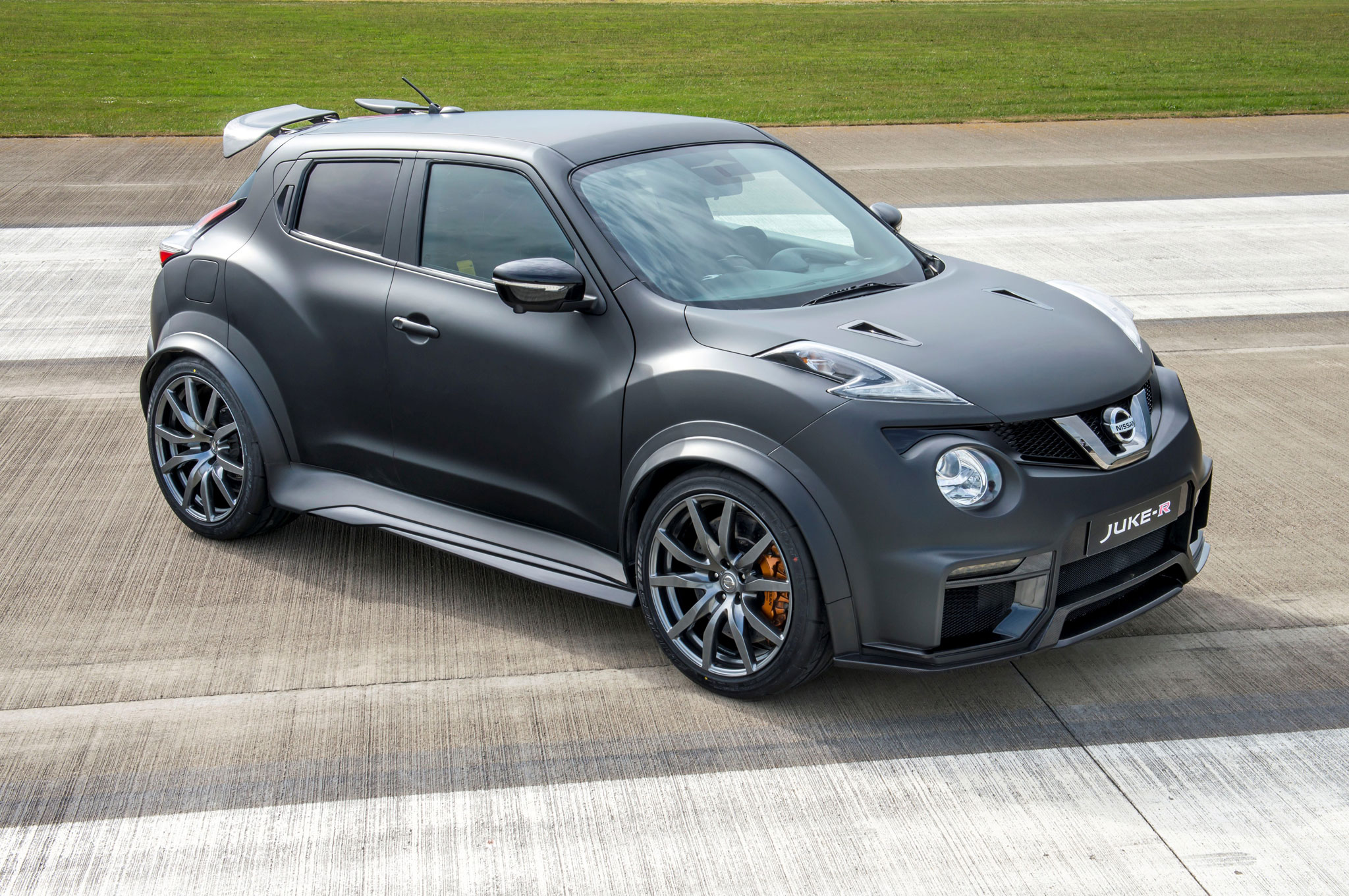 Nissan JukeR 20 is a 600HP Crossover from Hell