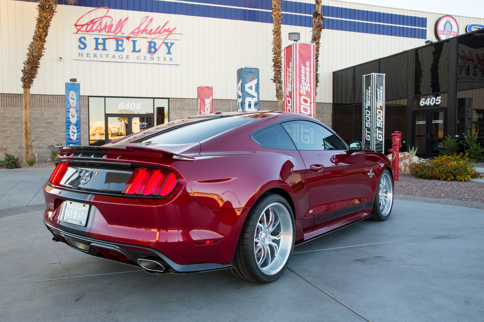 shelby american 2015 ford mustang gt super snake pushes out 750 hp. Black Bedroom Furniture Sets. Home Design Ideas