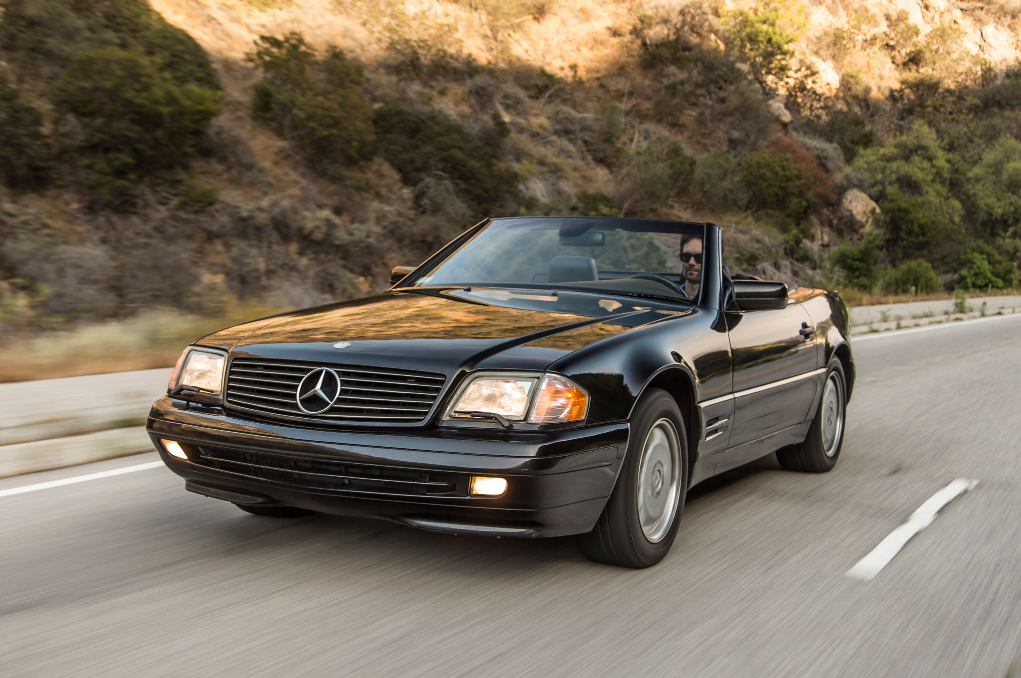 collectible classic 1990 2002 mercedes benz sl class. Black Bedroom Furniture Sets. Home Design Ideas