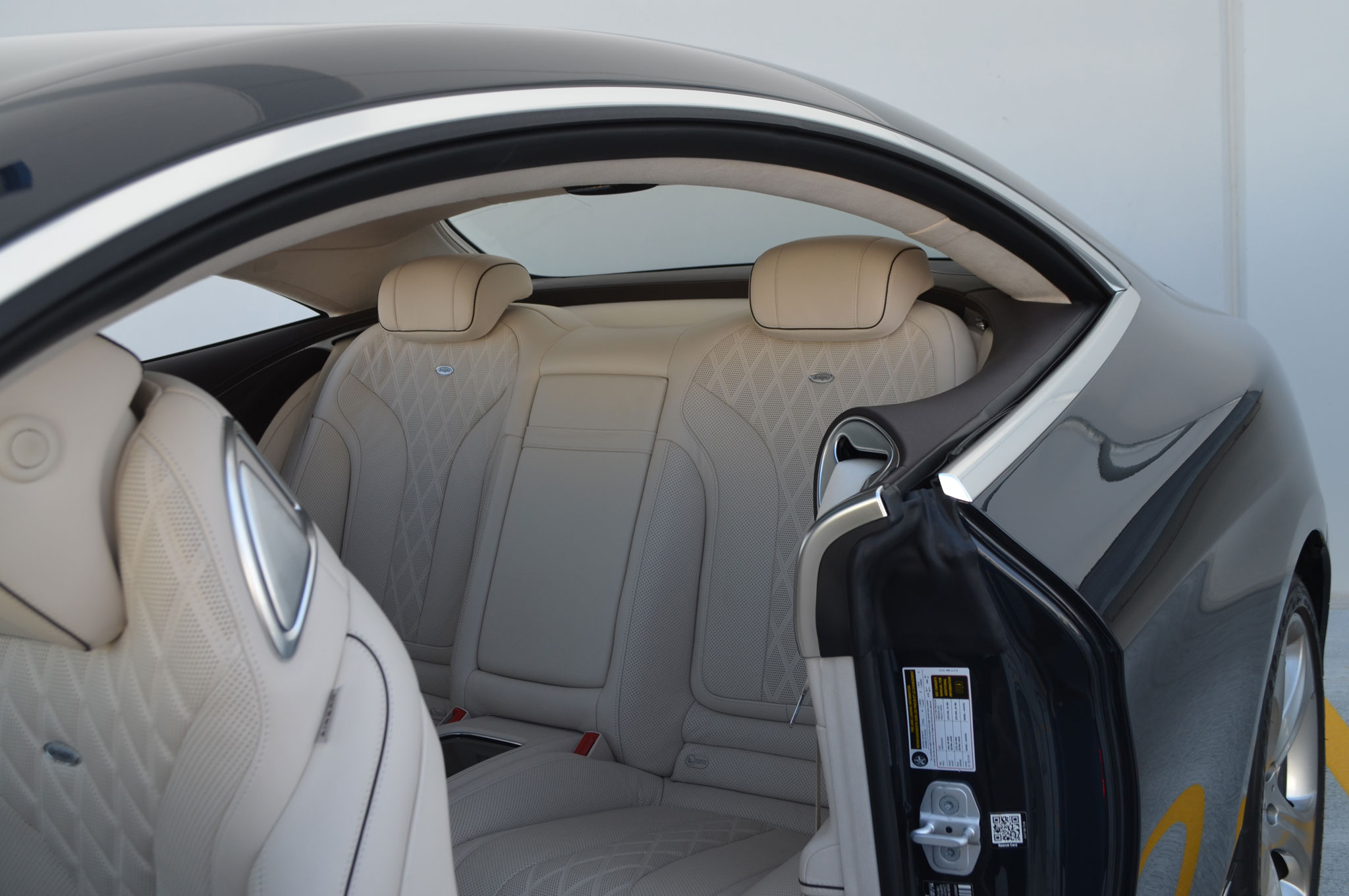 http://st.automobilemag.com/uploads/sites/11/2015/07/2015-Mercedes-Benz-S550-Coupe-rear-seat.jpg