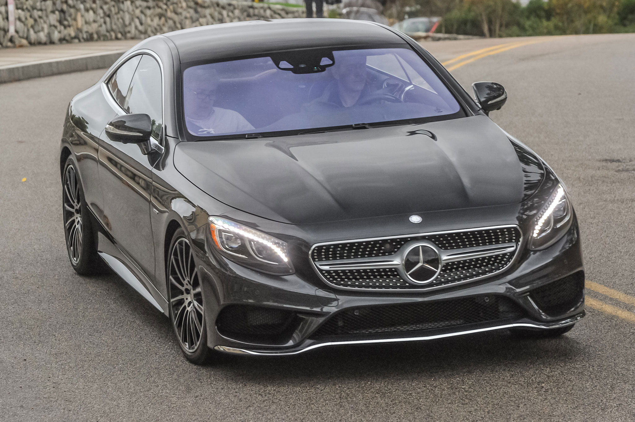 http://st.automobilemag.com/uploads/sites/11/2015/07/2015-Mercedes-Benz-S550-coupe-front-three-quarter-view-in-motion-1.jpg
