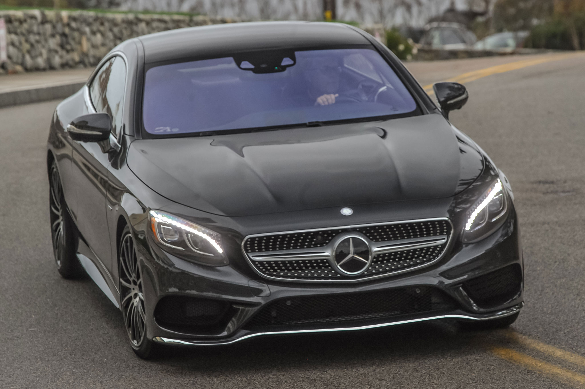 http://st.automobilemag.com/uploads/sites/11/2015/07/2015-Mercedes-Benz-S550-coupe-front-three-quarter-view-in-motion-2.jpg