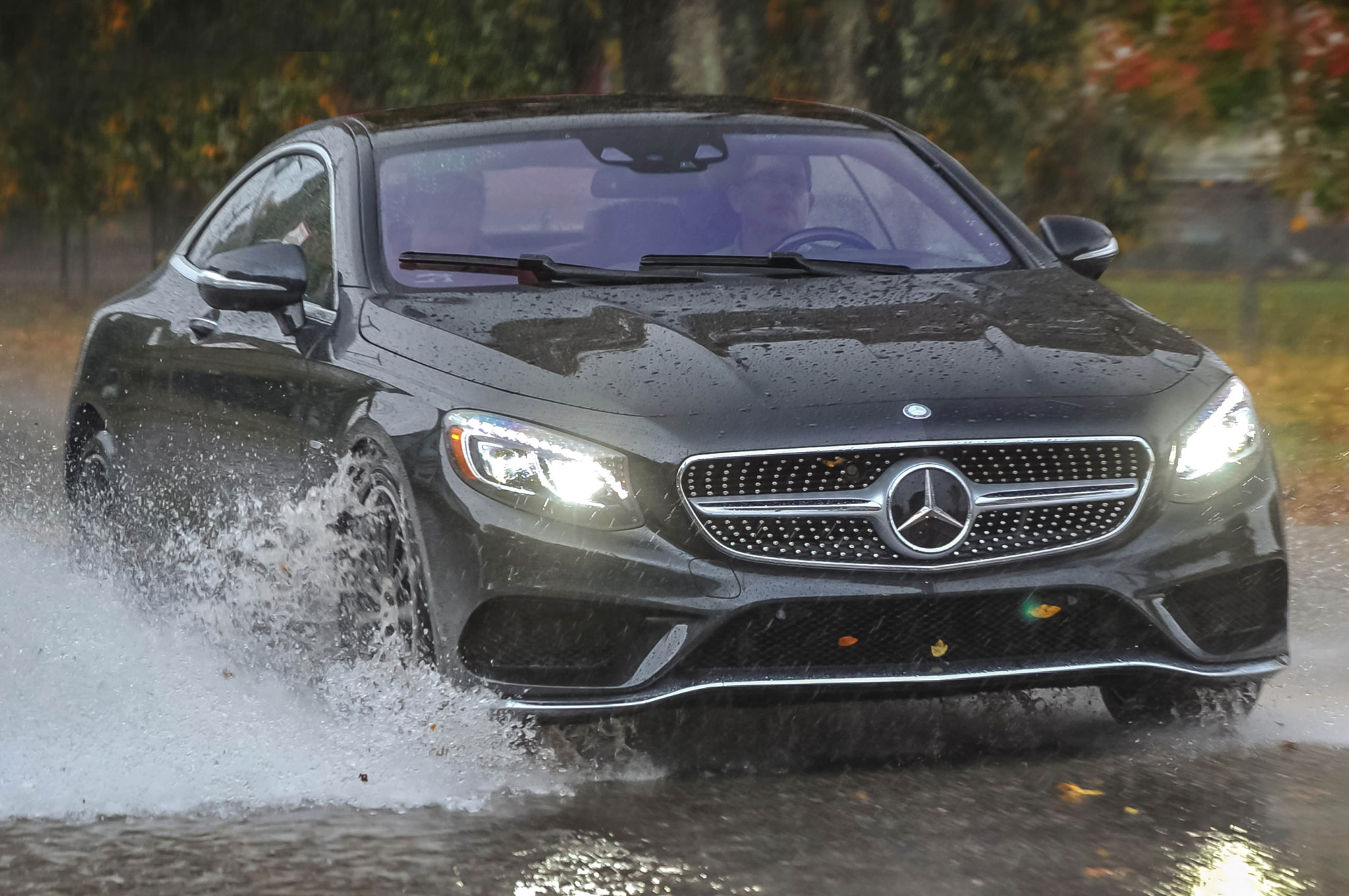 http://st.automobilemag.com/uploads/sites/11/2015/07/2015-Mercedes-Benz-S550-coupe-front-three-quarter-view-in-motion-3.jpg