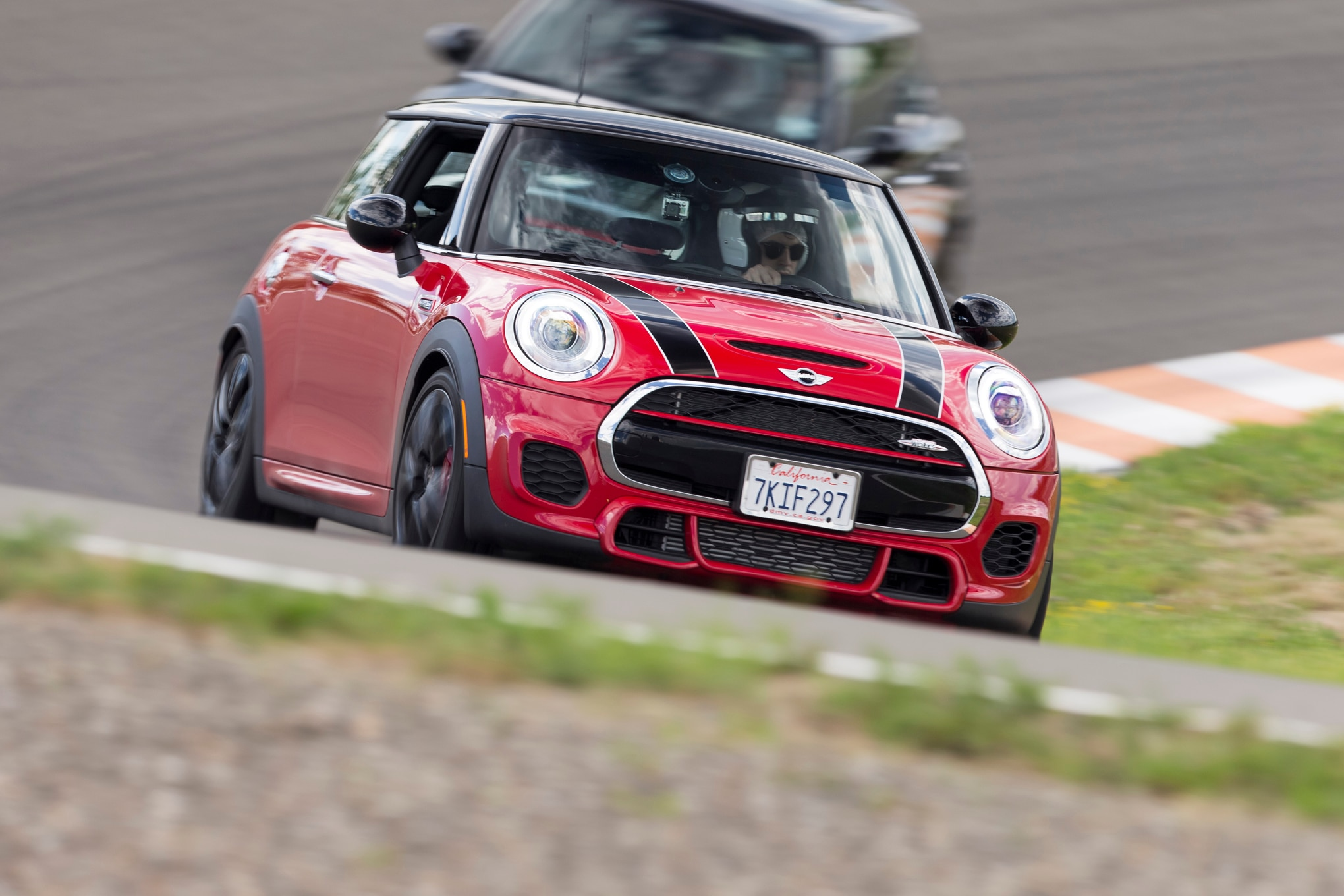 2015 Mini John Cooper Works Hardtop Front End In Motion 03