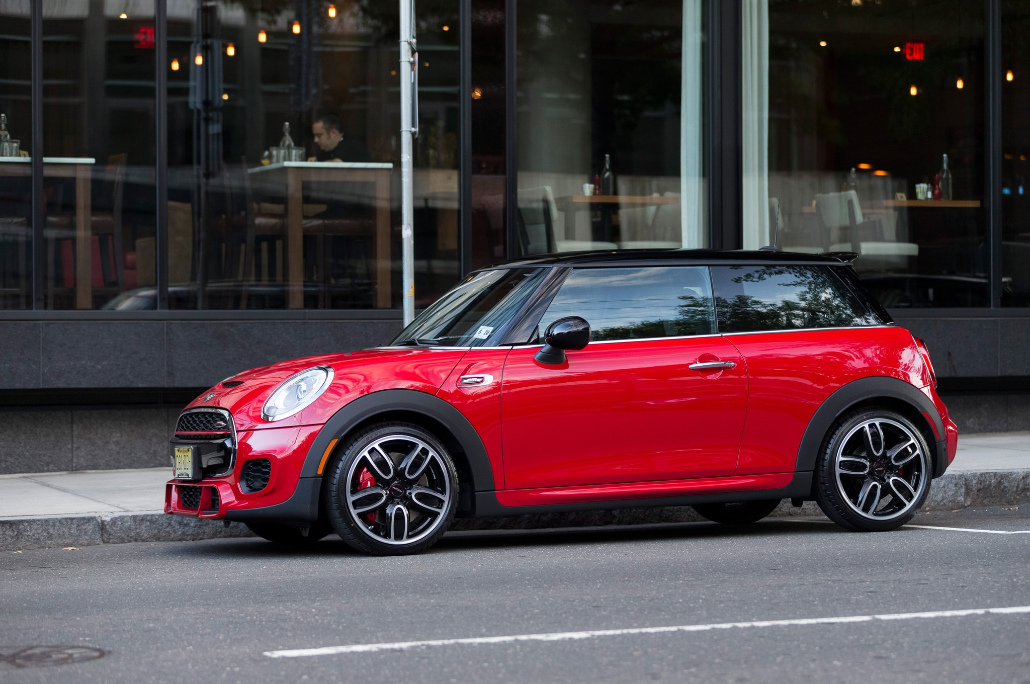 2015 mini john cooper works hardtop review. Black Bedroom Furniture Sets. Home Design Ideas