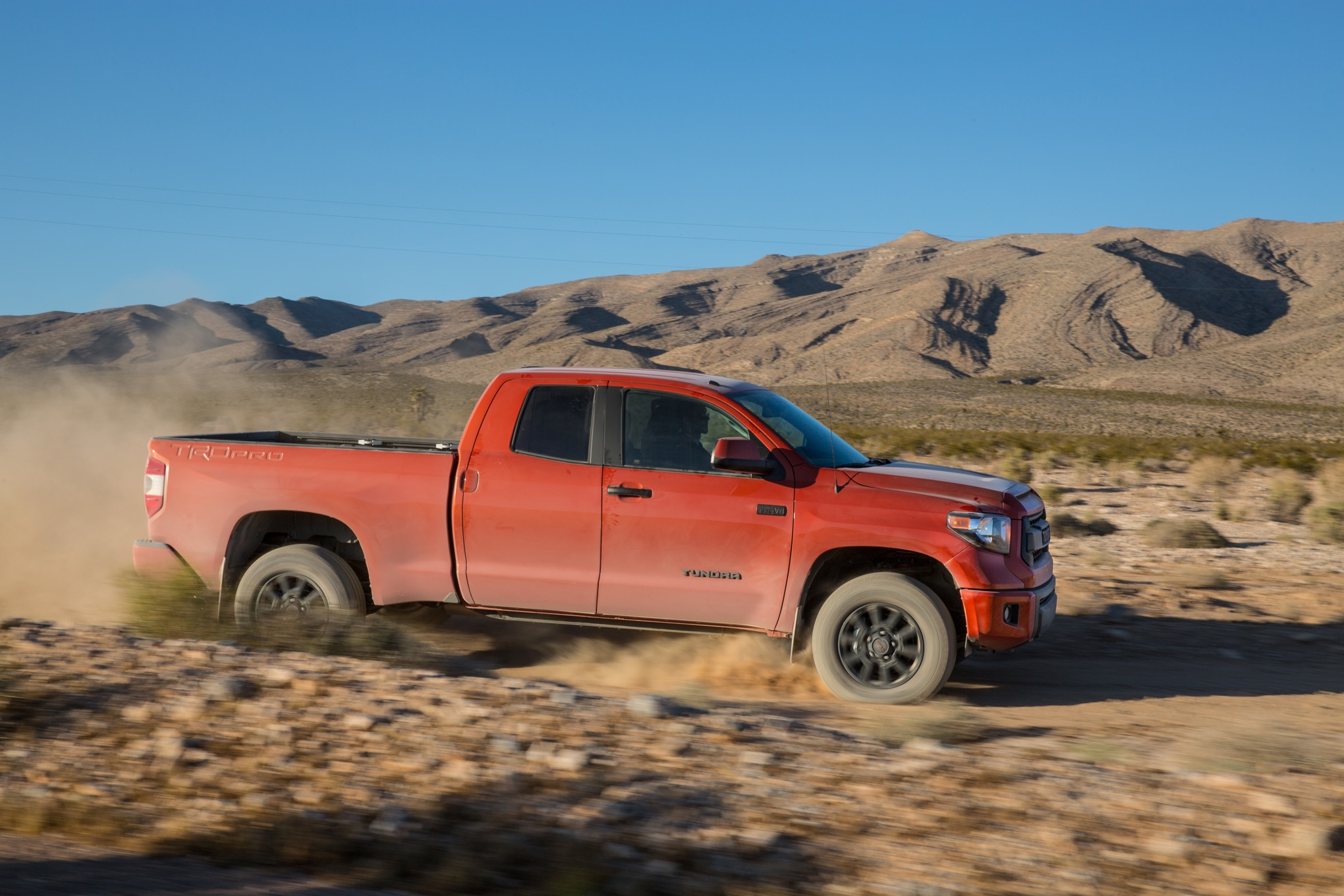 dirt every day takes a 2015 toyota tundra trd pro from coast to coast. Black Bedroom Furniture Sets. Home Design Ideas