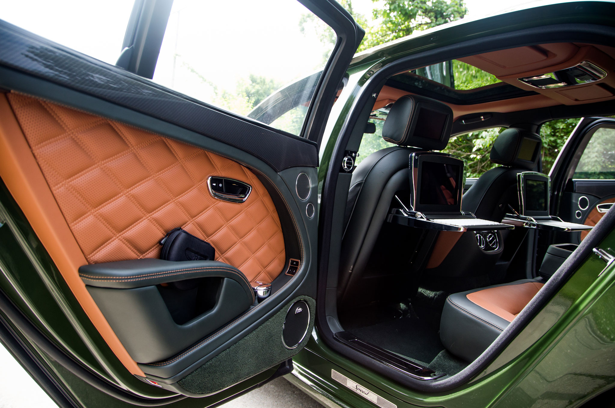 Double-edged & 2016 Bentley Mulsanne Speed Review