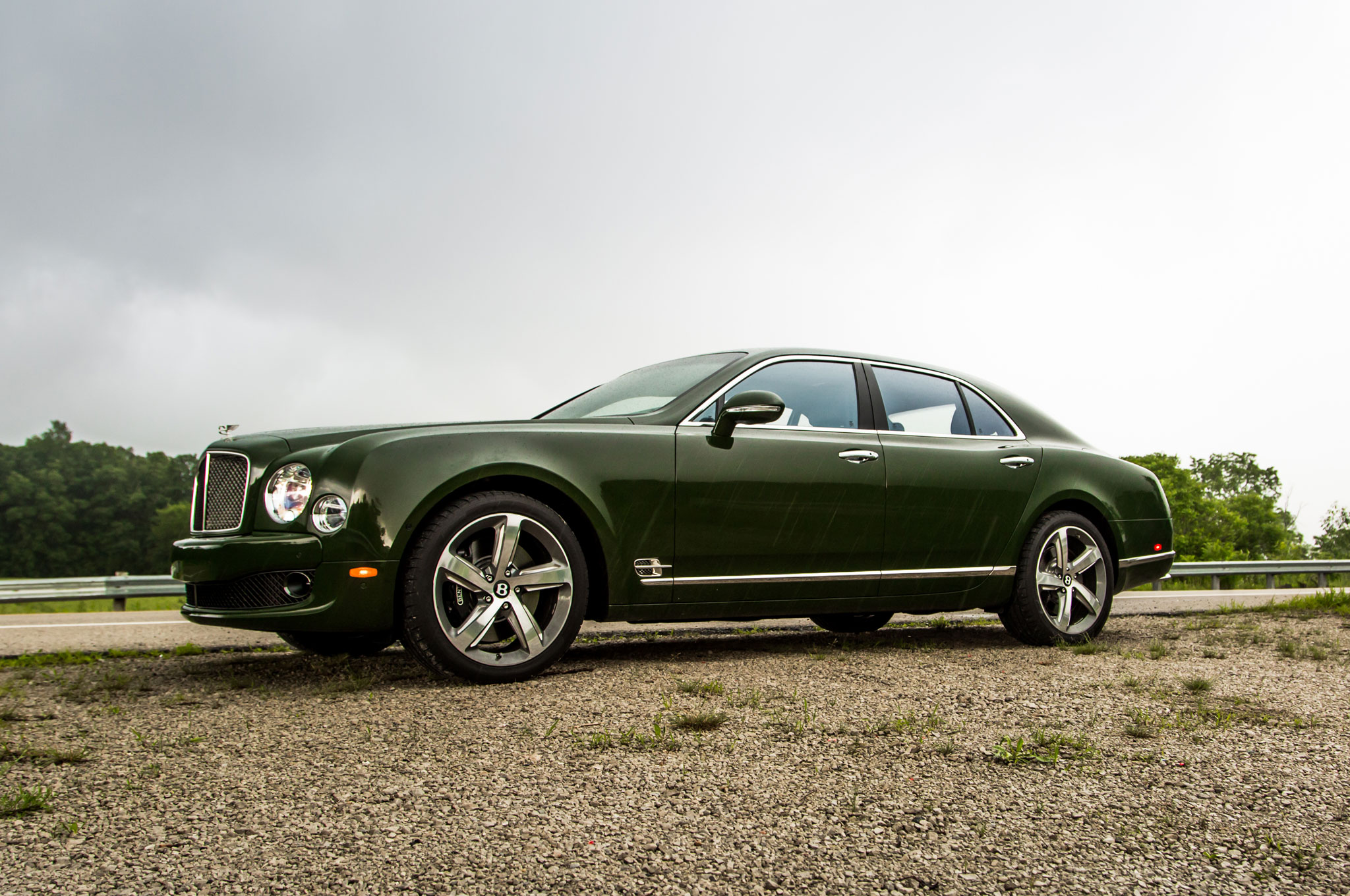 2016 Bentley Mulsanne Speed Front Three Quarter 04