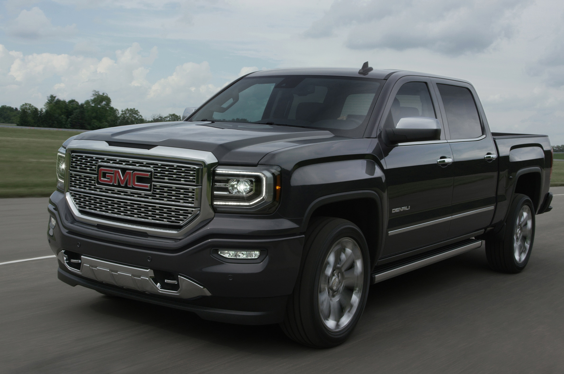 2016 gmc sierra gets refreshed front fascia led headlights. Black Bedroom Furniture Sets. Home Design Ideas
