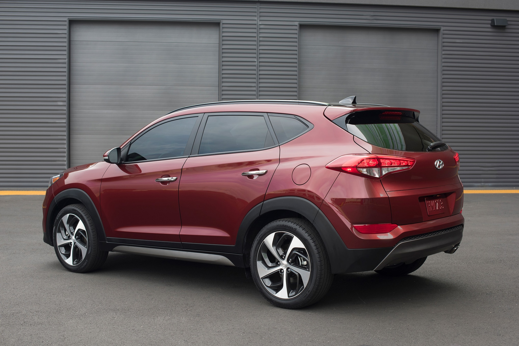 2016 Hyundai Tucson rear three quarter 032 2016 hyundai tucson starts at $23,595 photo gallery 2016 Hyundai Tucson Interior at crackthecode.co