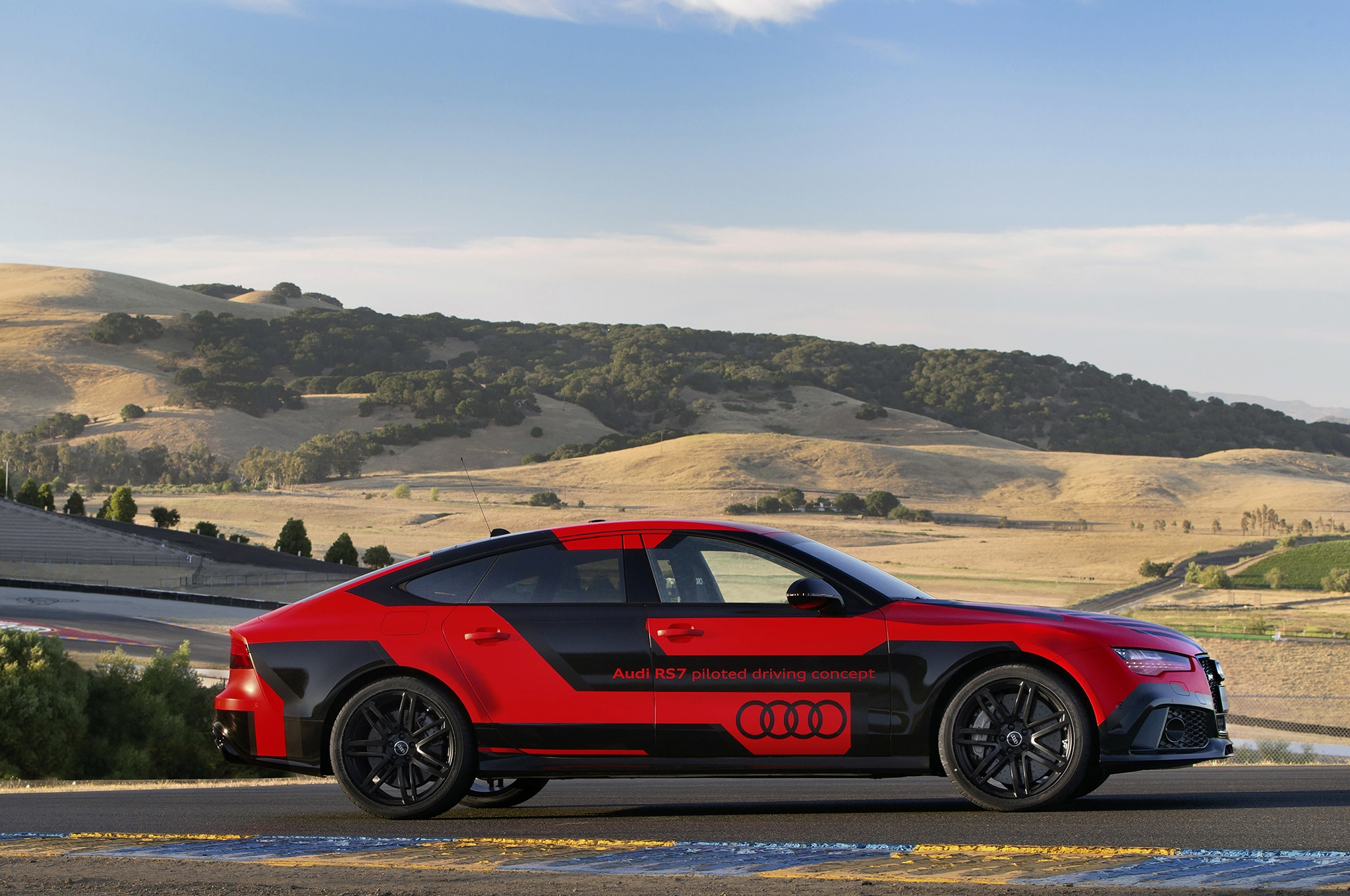 audi rs 7 autonomous car sets faster laps than humans at sonoma. Black Bedroom Furniture Sets. Home Design Ideas