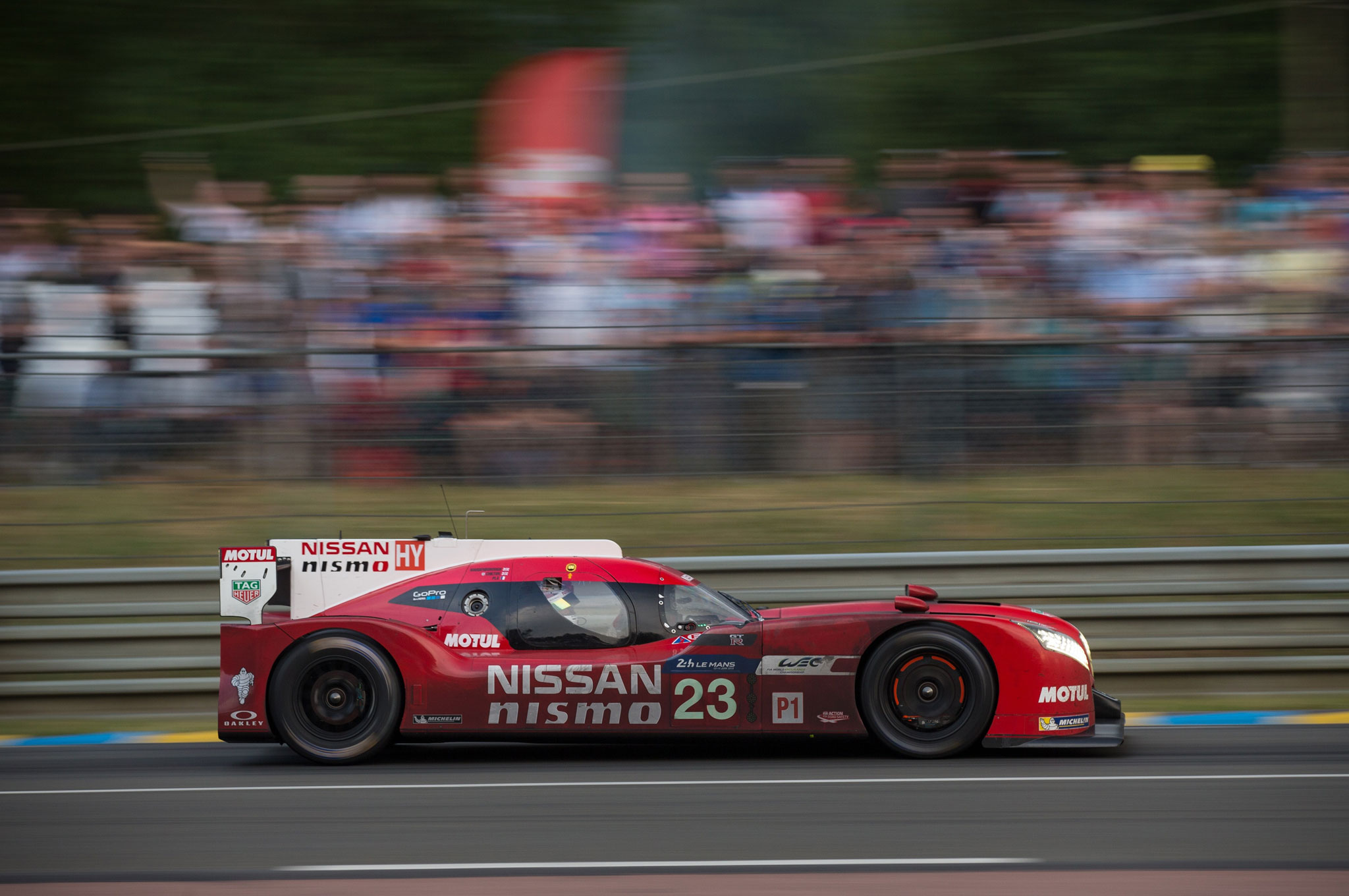 the nissan gt r lm nismo winning by losing at le mans. Black Bedroom Furniture Sets. Home Design Ideas