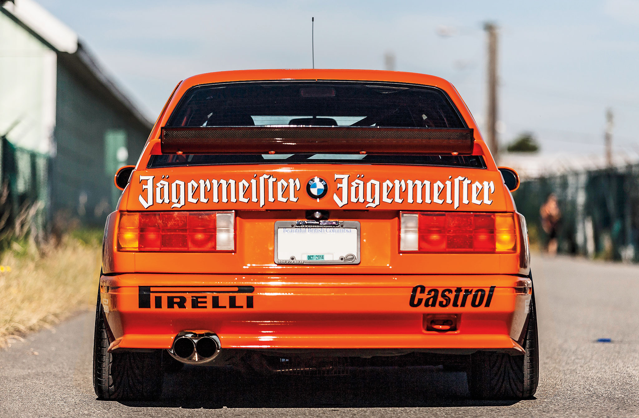 Turning a 1988 BMW E30 M3 Into an Hommage to DTM Racers