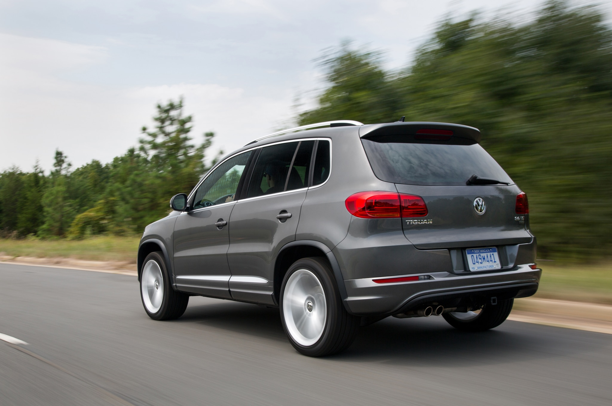 2016 volkswagen tiguan touareg prices reduced. Black Bedroom Furniture Sets. Home Design Ideas