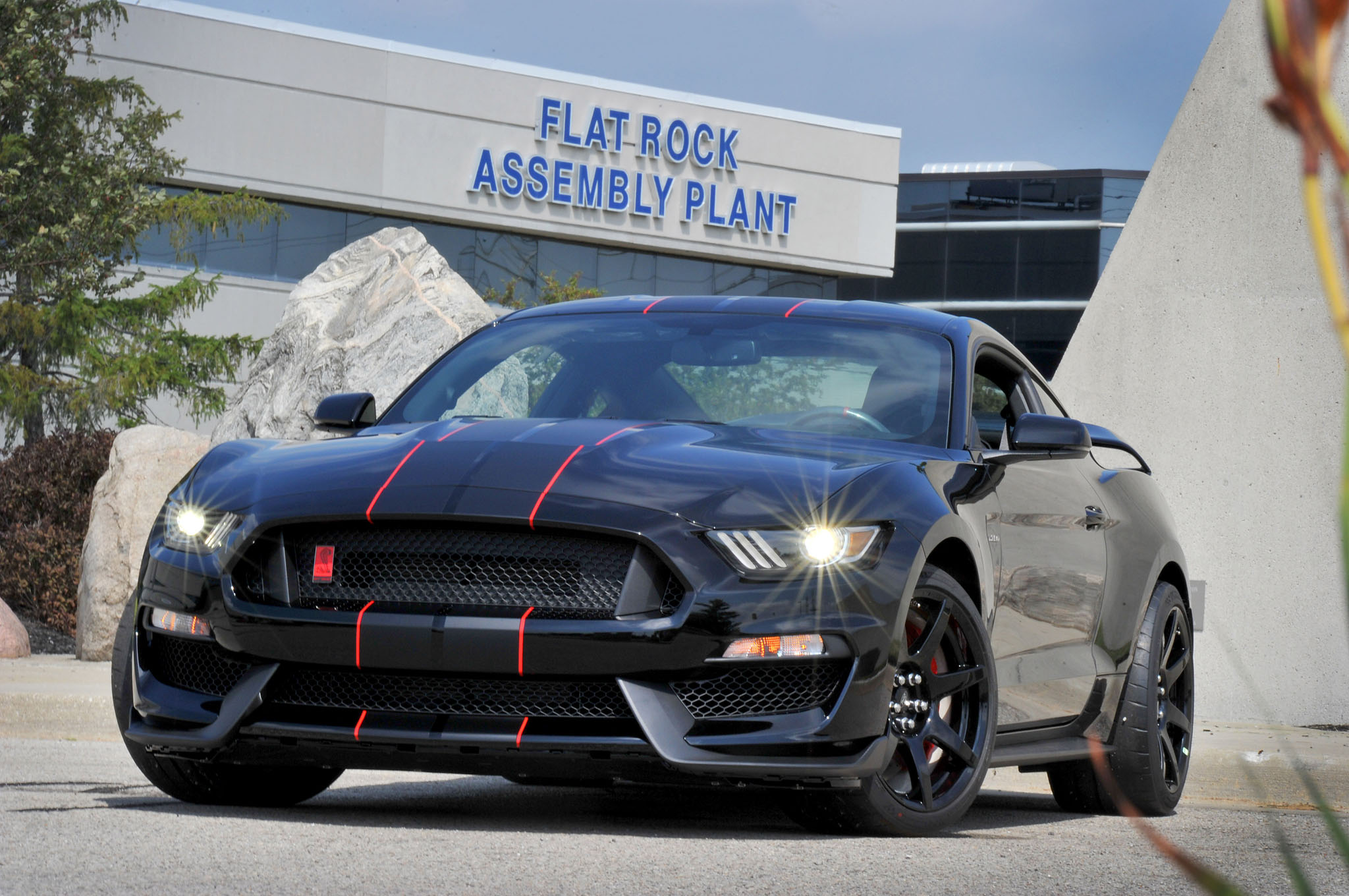 ford shelby gt mustang begins production  flat rock
