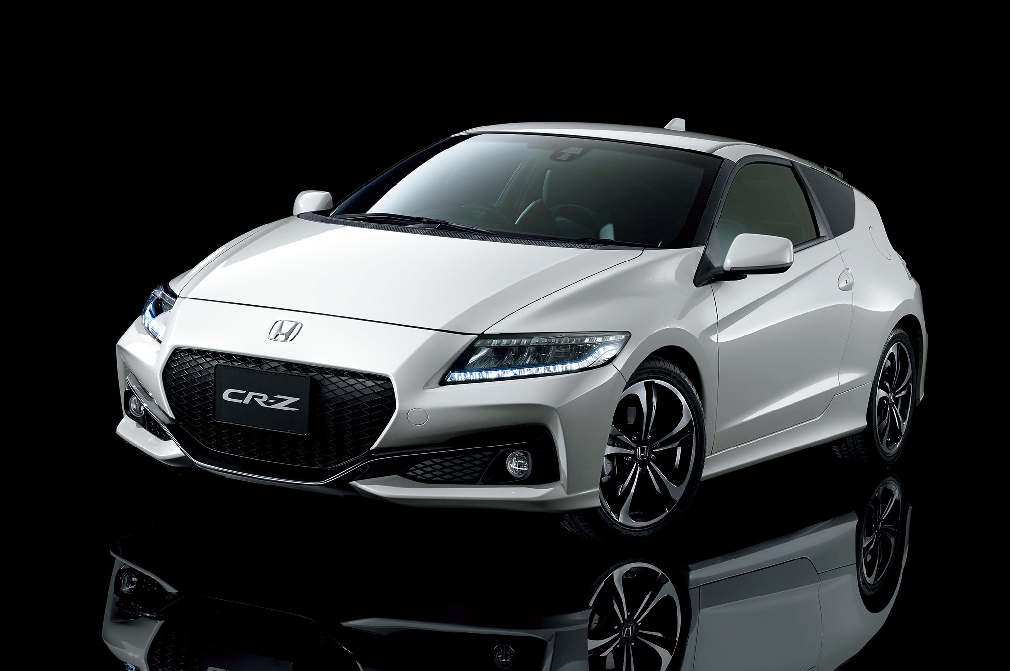 Honda CR-Z Hybrid Refreshed for Japan