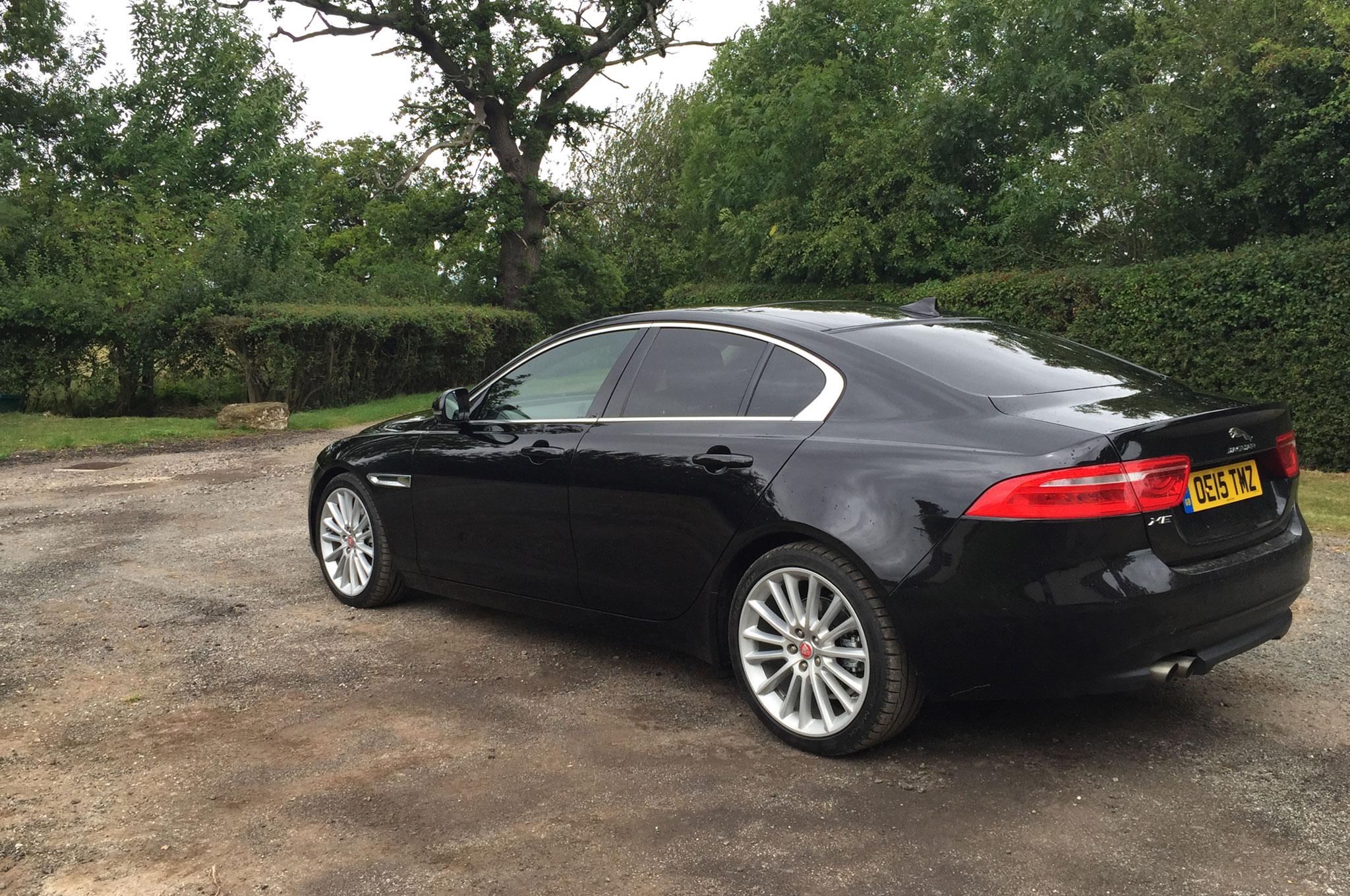 2016 jaguar xe diesel u k spec review. Black Bedroom Furniture Sets. Home Design Ideas