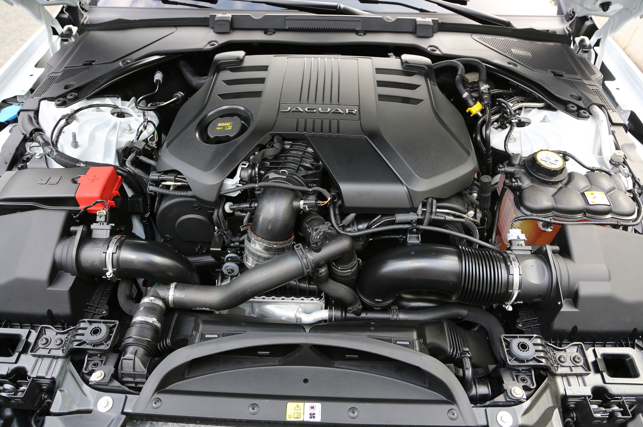 jag long copy dennis donovan sale xjc of jaguar rebuild penjag digital for camera olympus peninsula engine engines