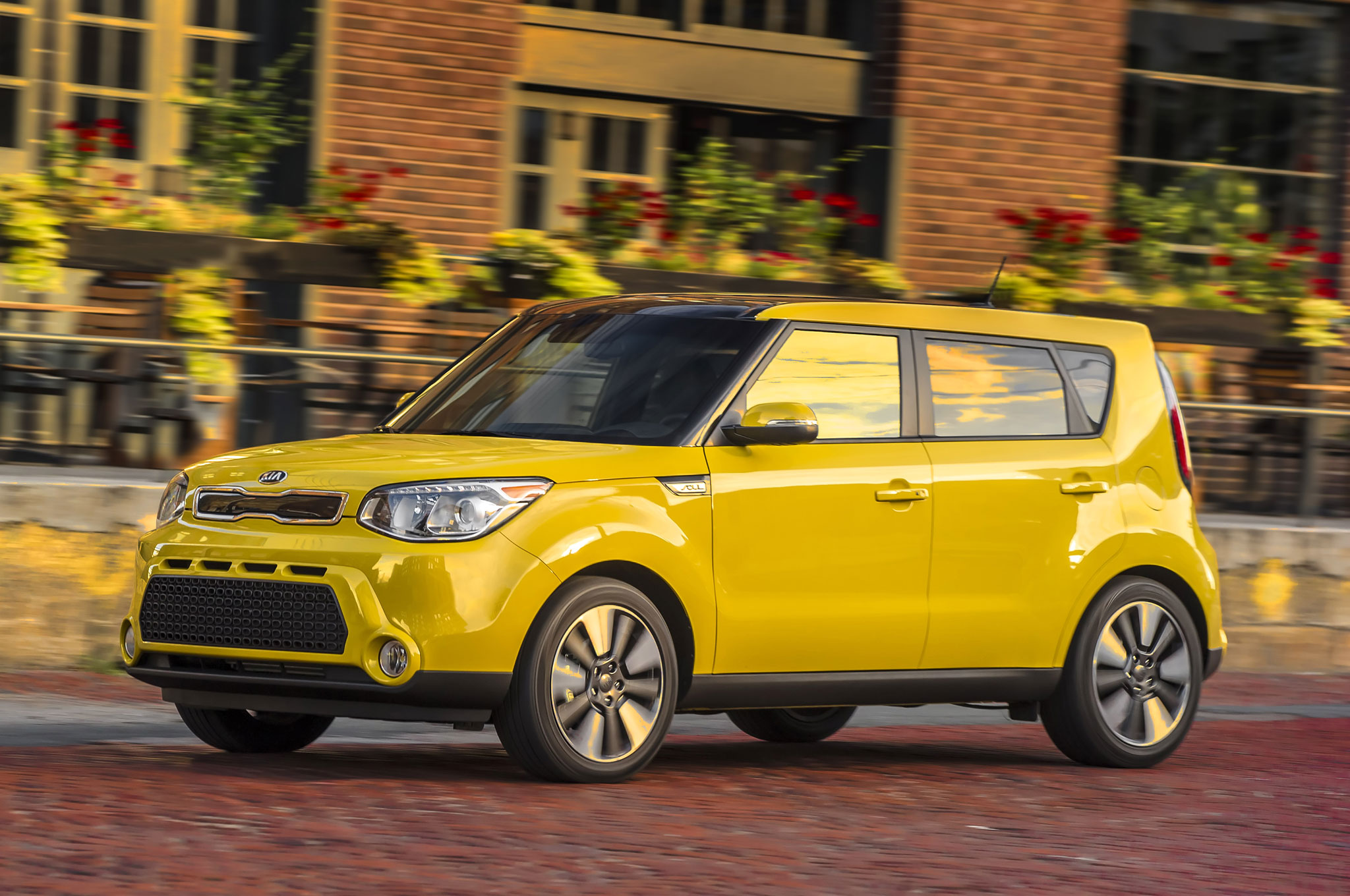 2016 kia soul adds new standard features updated packages. Black Bedroom Furniture Sets. Home Design Ideas