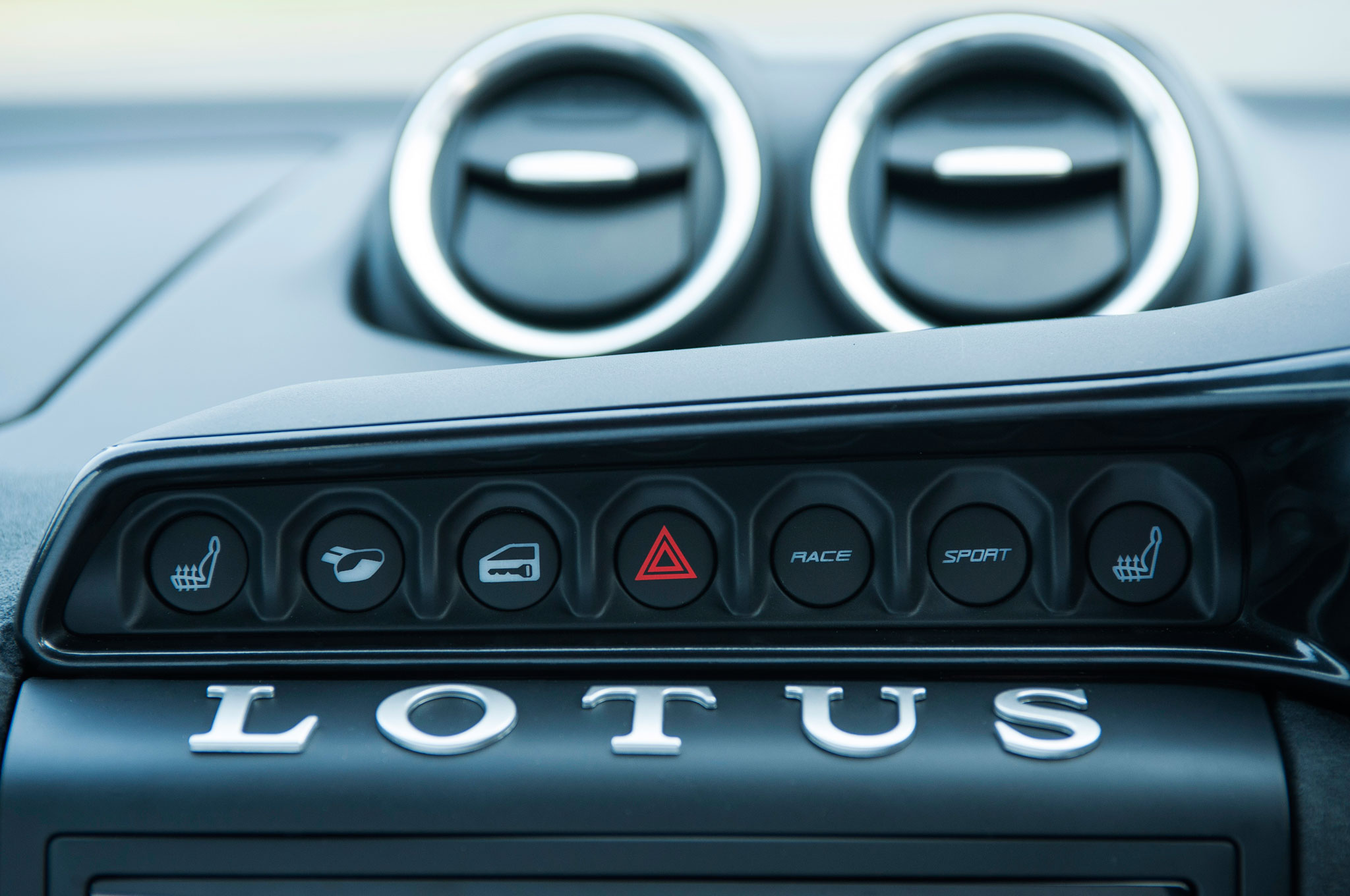 http://st.automobilemag.com/uploads/sites/11/2015/08/2016-Lotus-Evora-400-dashboard-detail.jpg